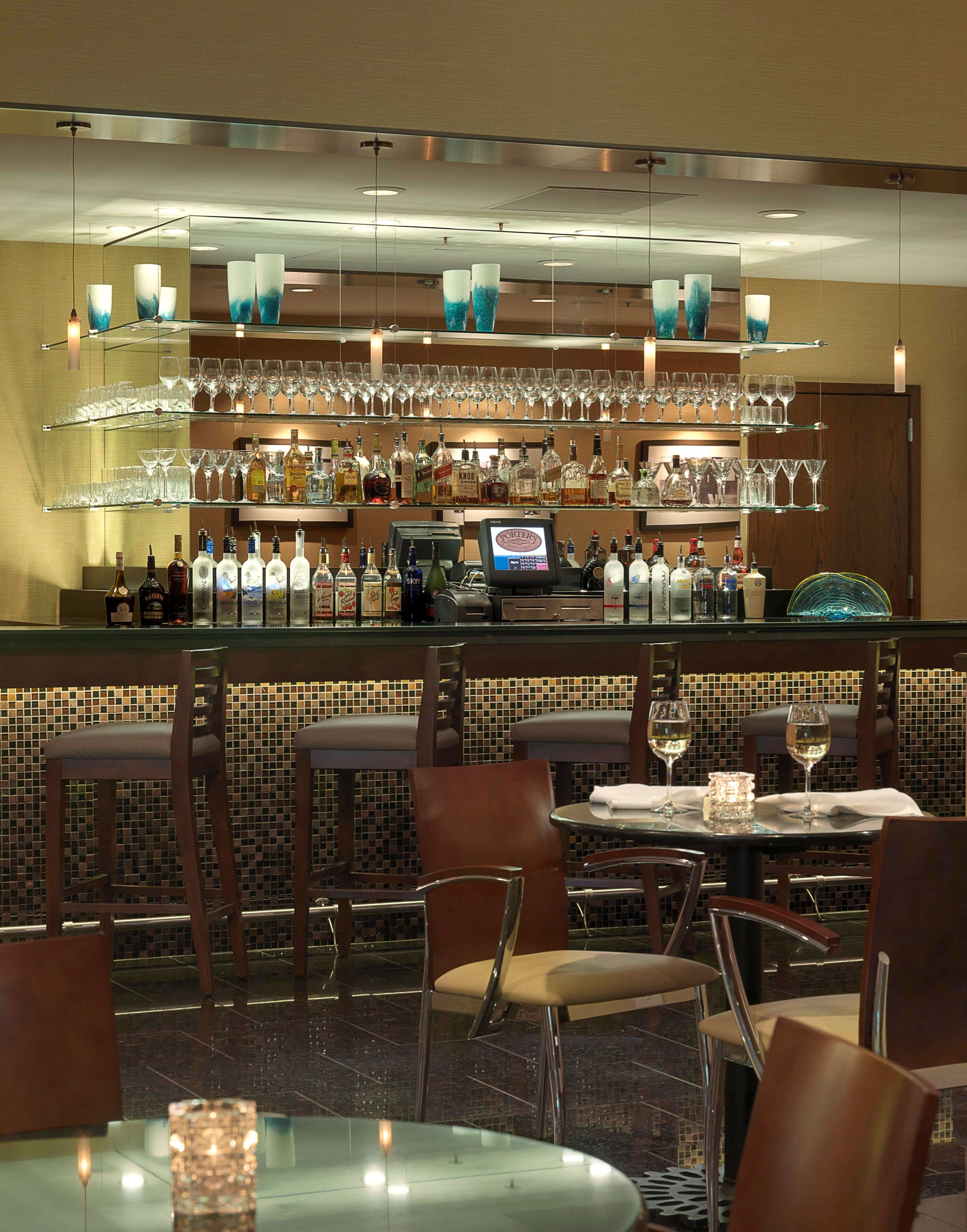 DoubleTree by Hilton Hotel Collinsville - St. Louis image 4