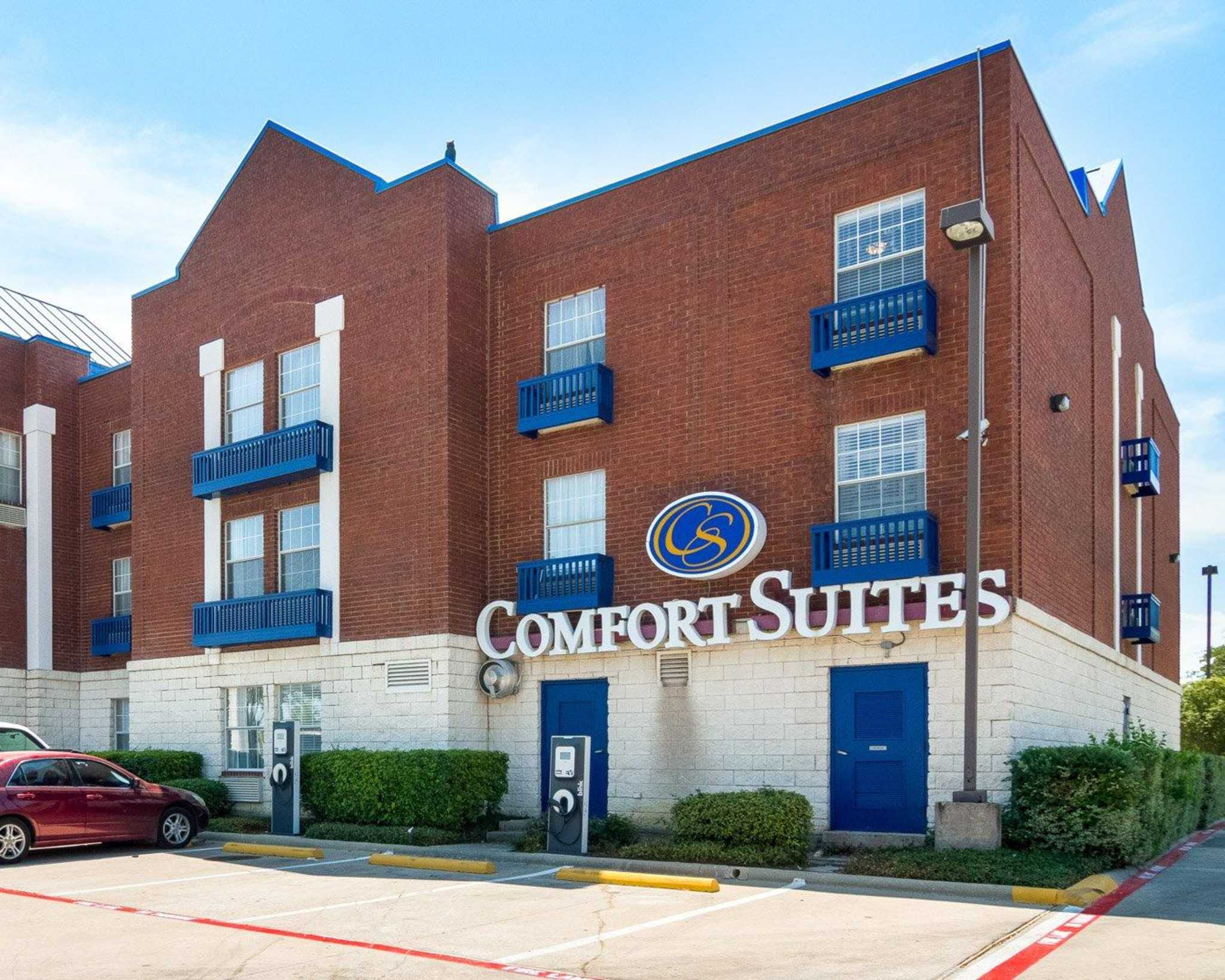 Comfort Suites Las Colinas Center image 4