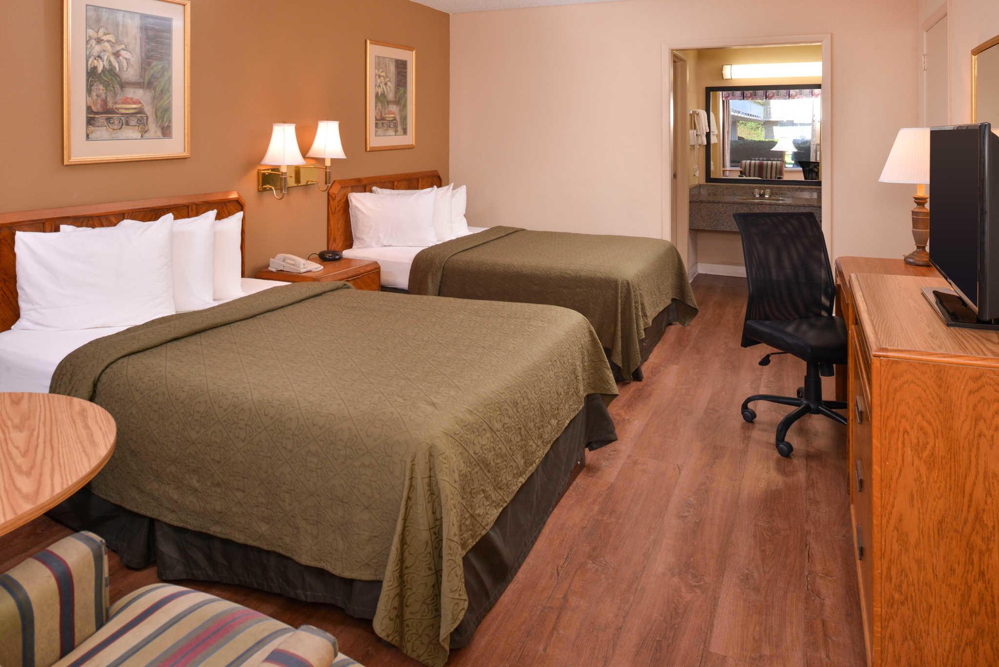 Quality Inn Dutch Inn image 11