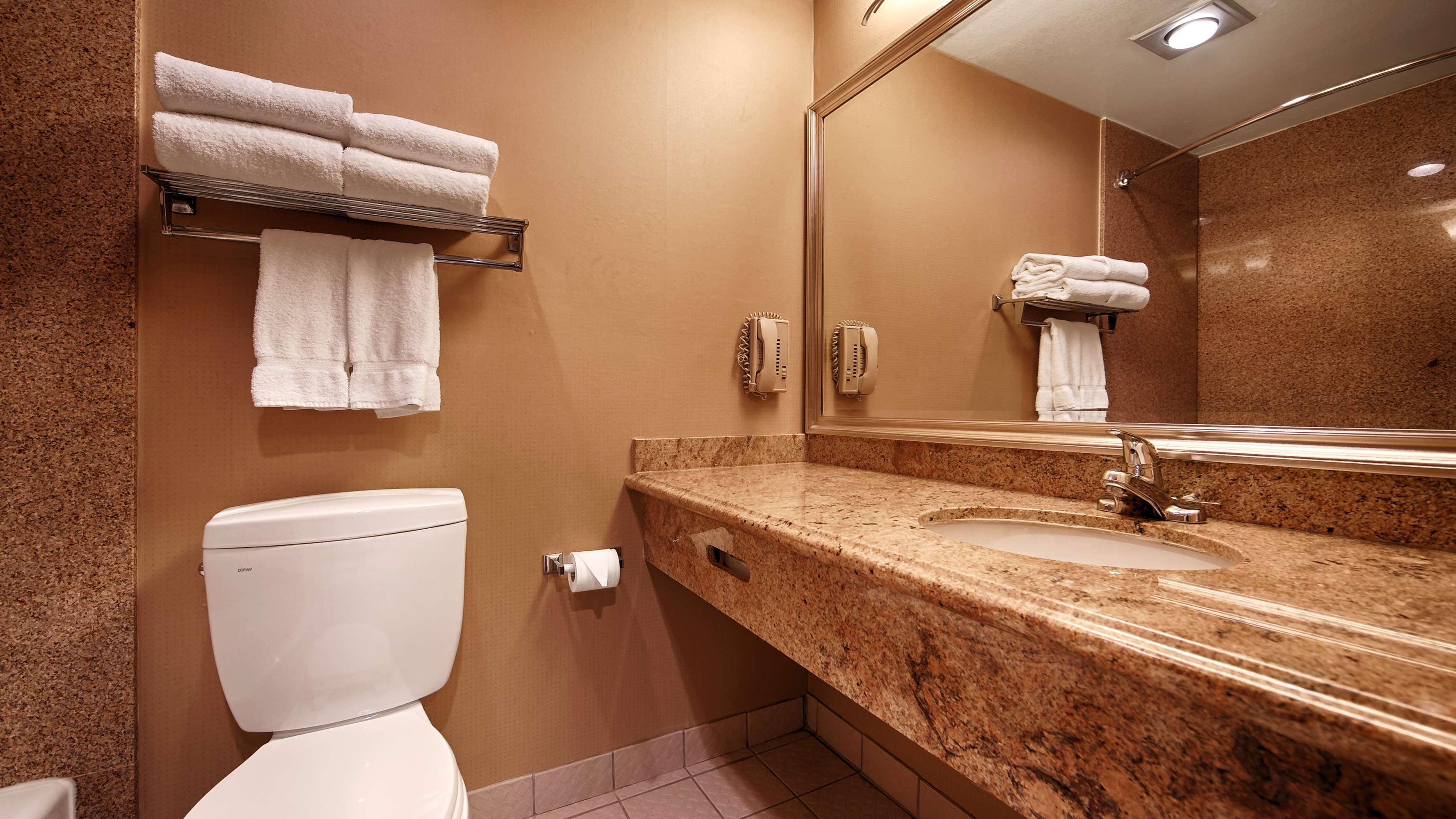 Best Western Plus Newport Mesa Inn image 36