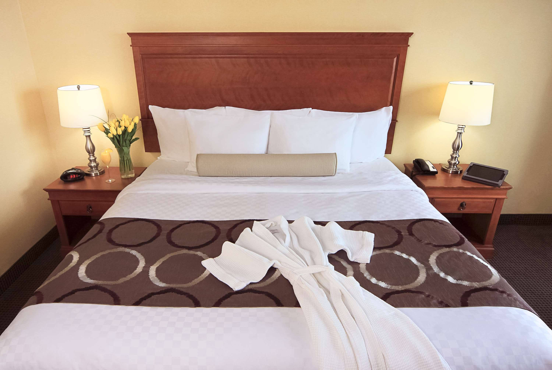 Best Western Plus Gatineau-Ottawa à Gatineau: Executive King Guest Room