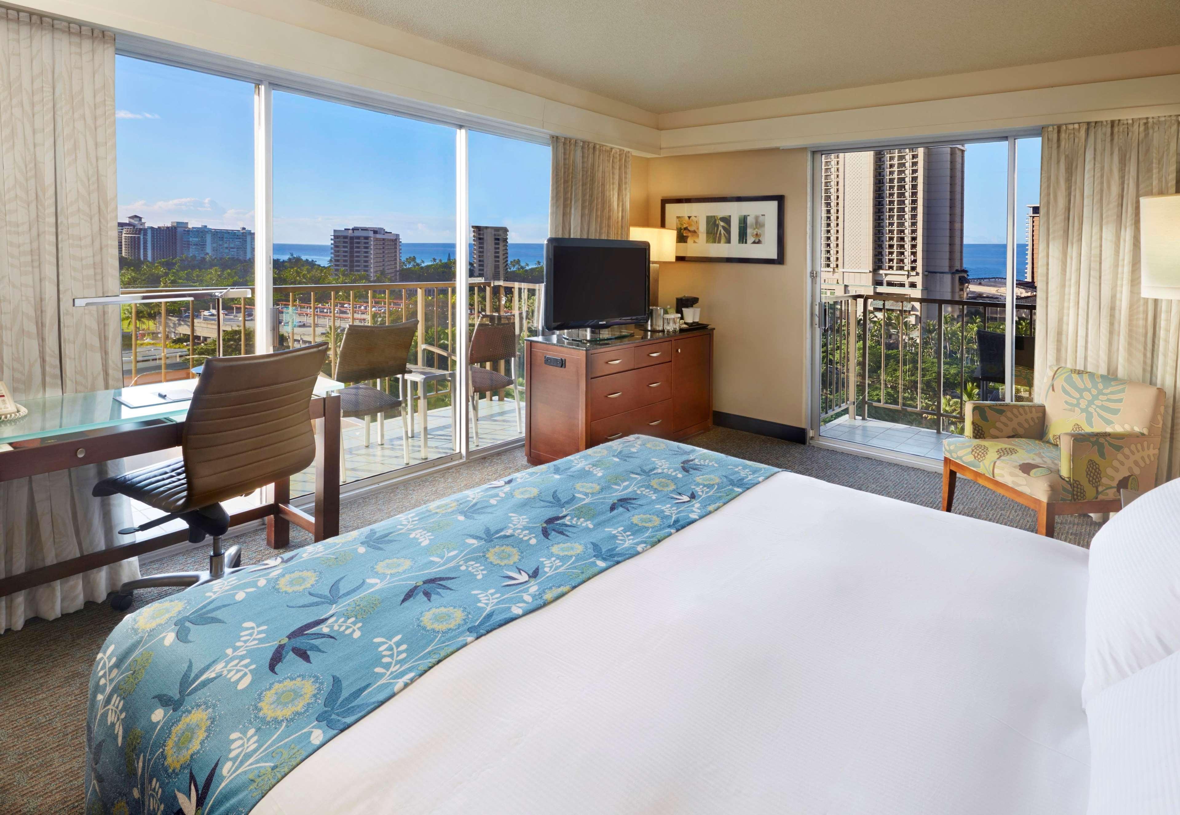 DoubleTree by Hilton Hotel Alana - Waikiki Beach image 17