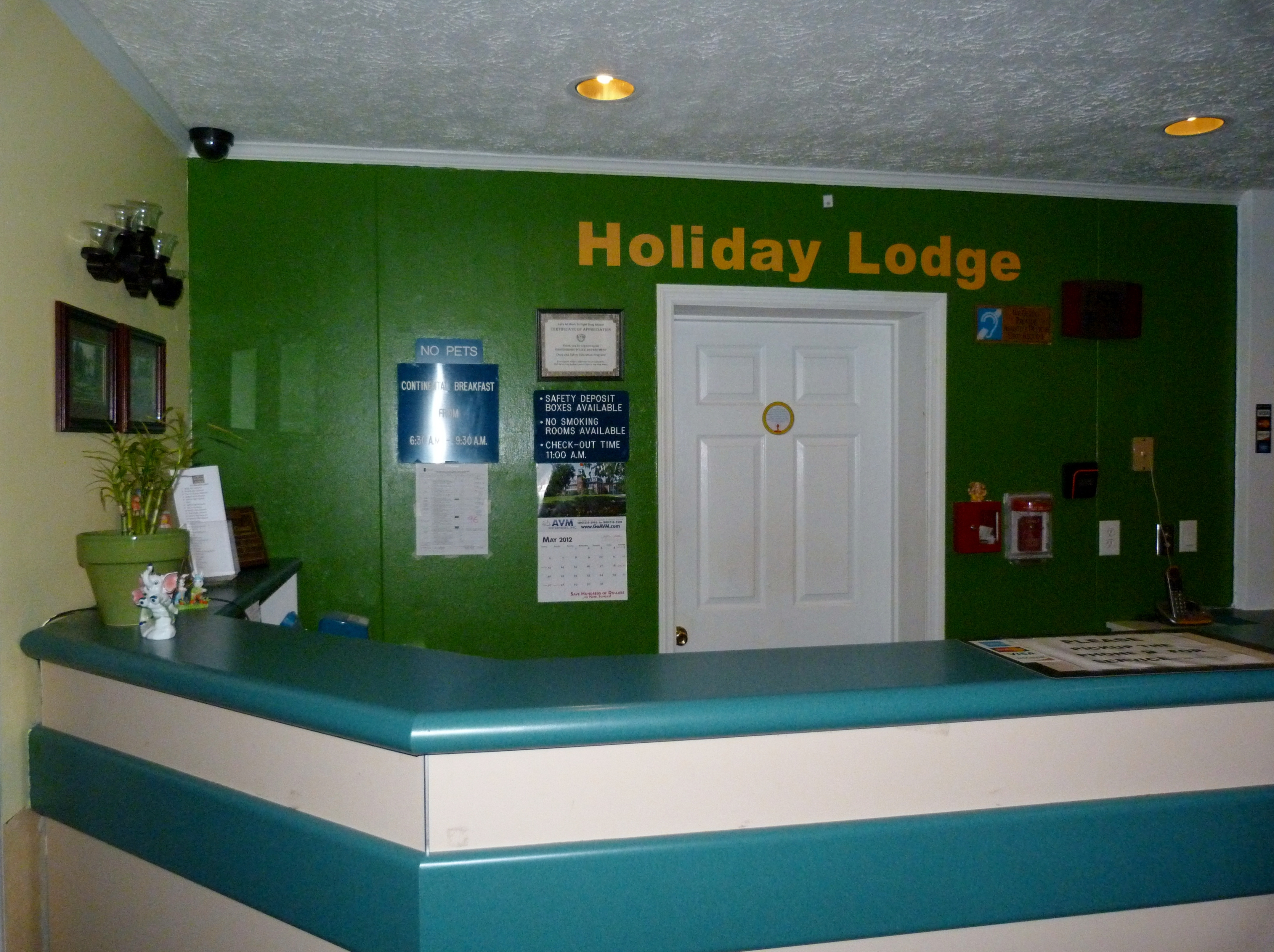 Holiday Lodge image 1