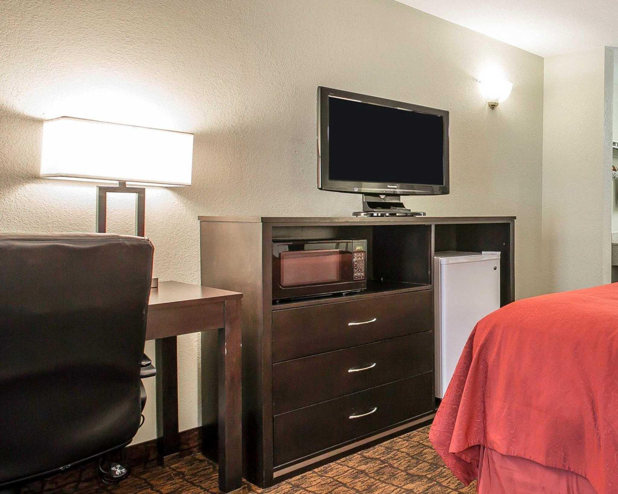 Quality Inn & Suites Woodland - Sacramento Airport image 5