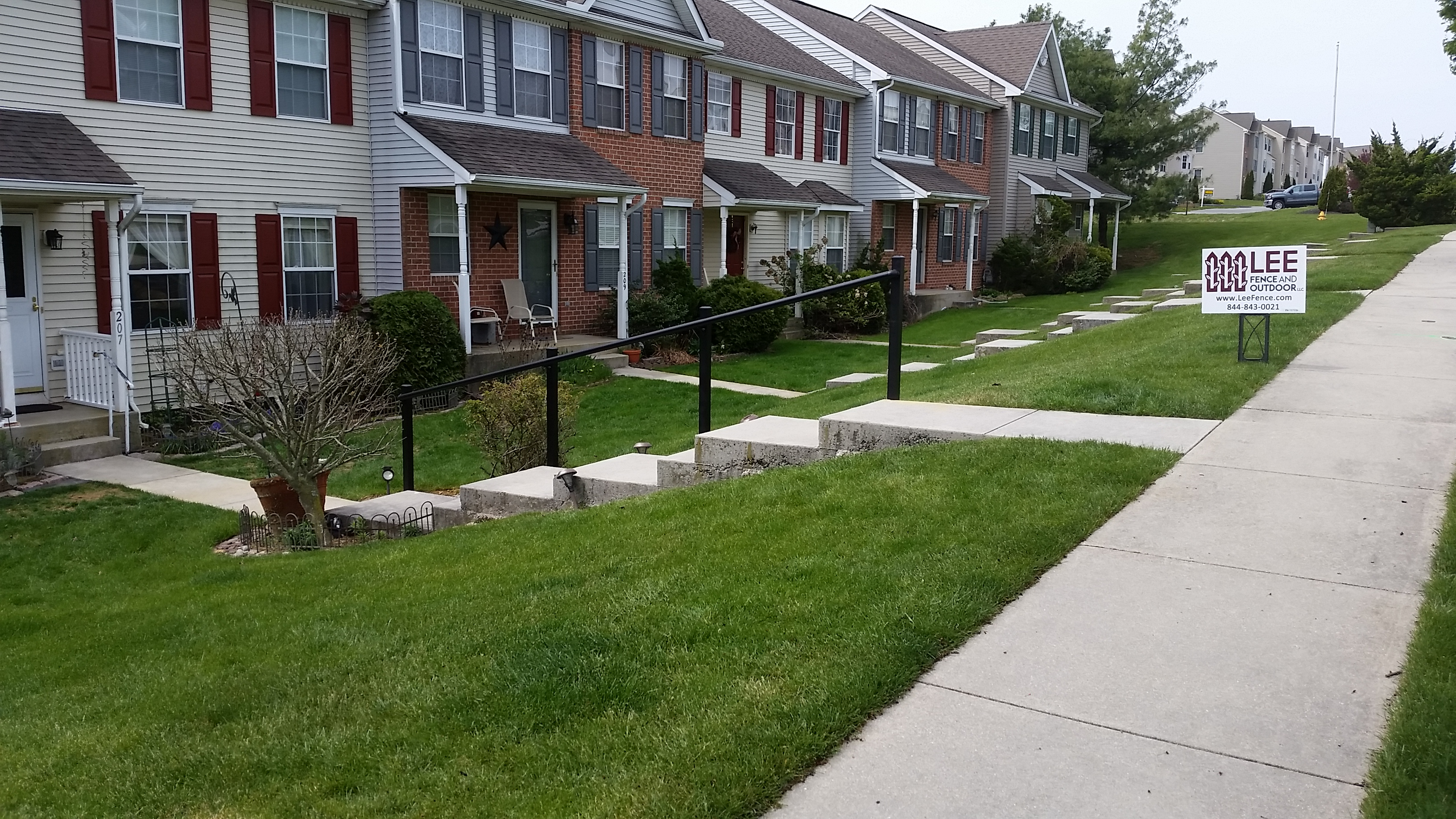 Lee Fence and Outdoor, LLC image 0