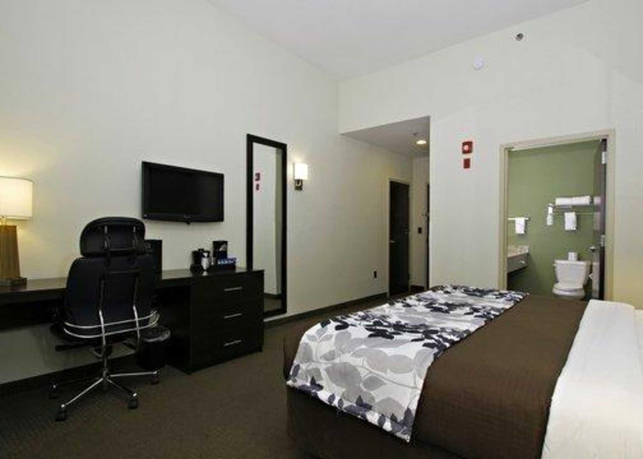 Sleep Inn & Suites Downtown Inner Harbor image 8