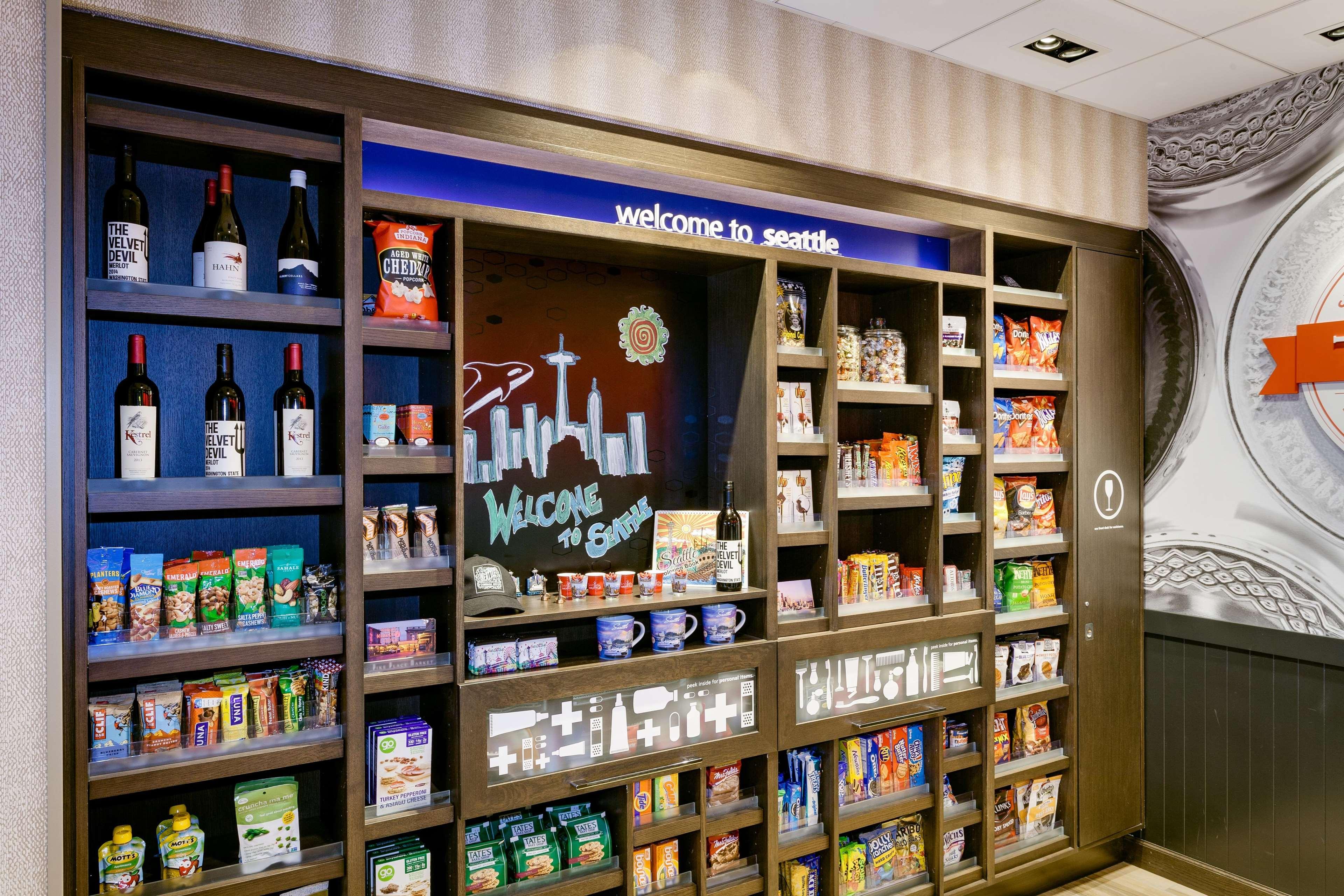 Hampton Inn & Suites by Hilton Seattle/Northgate image 4