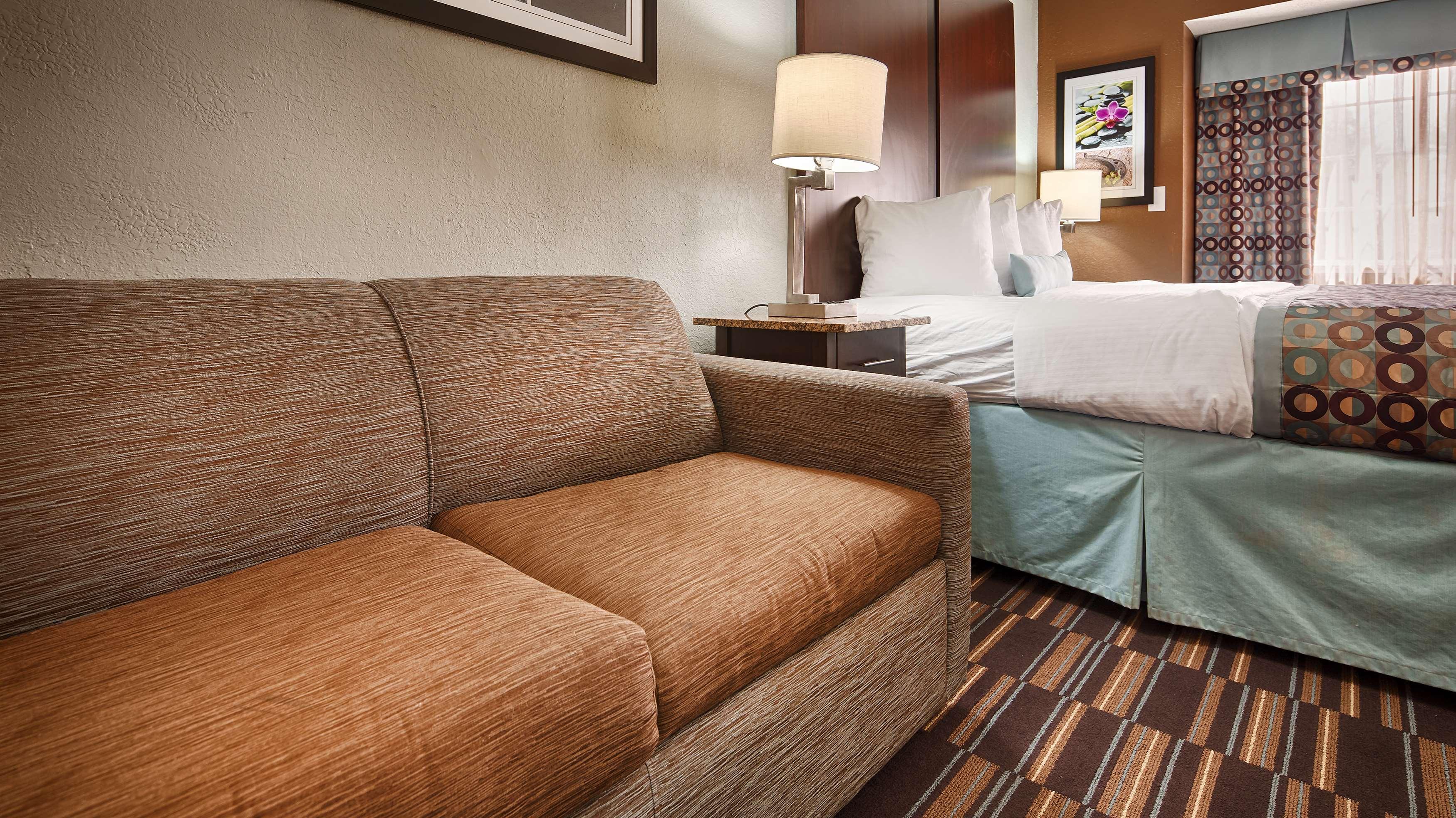 Best Western Plus Elizabeth City Inn & Suites image 42