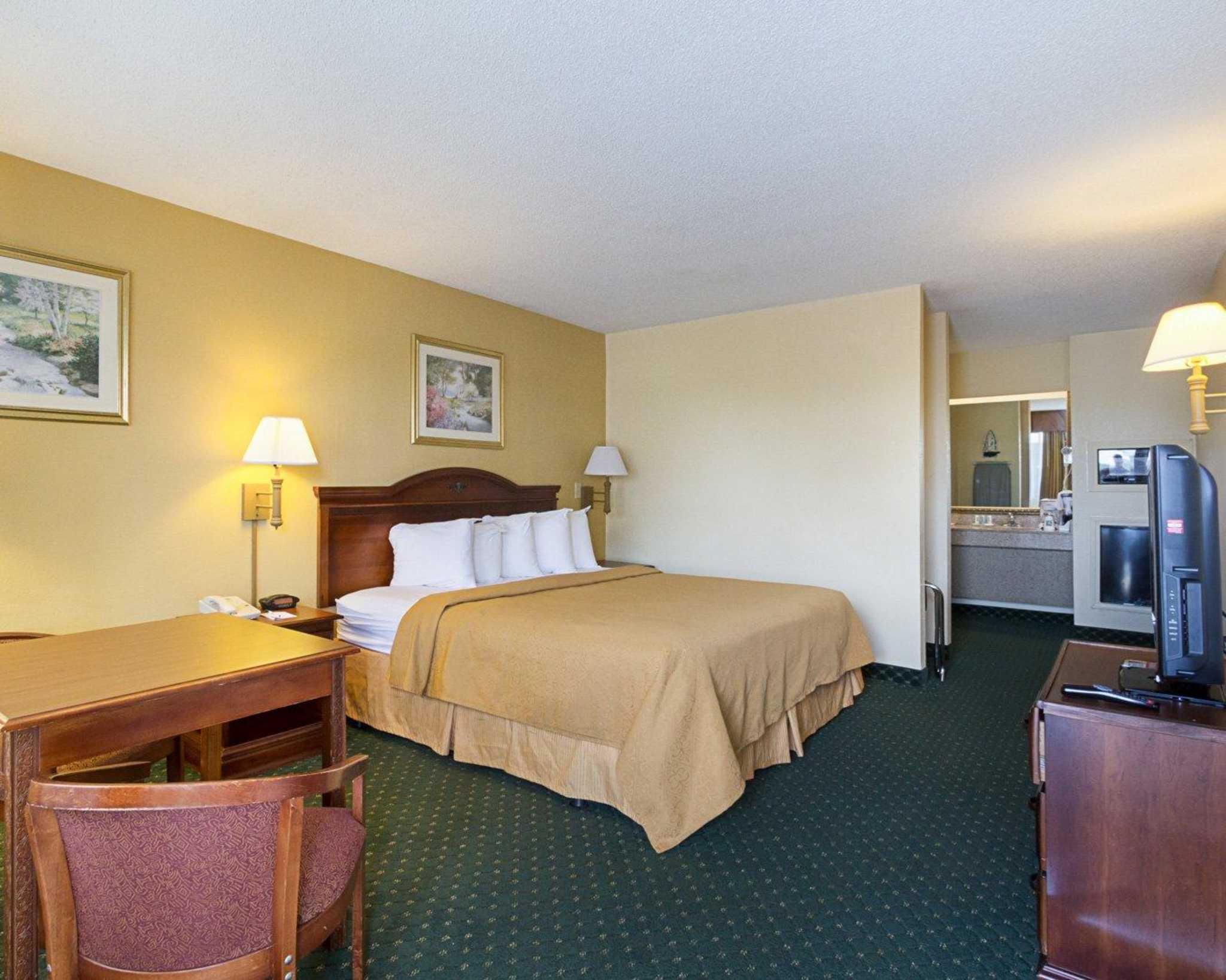Quality Inn & Suites Southwest image 13