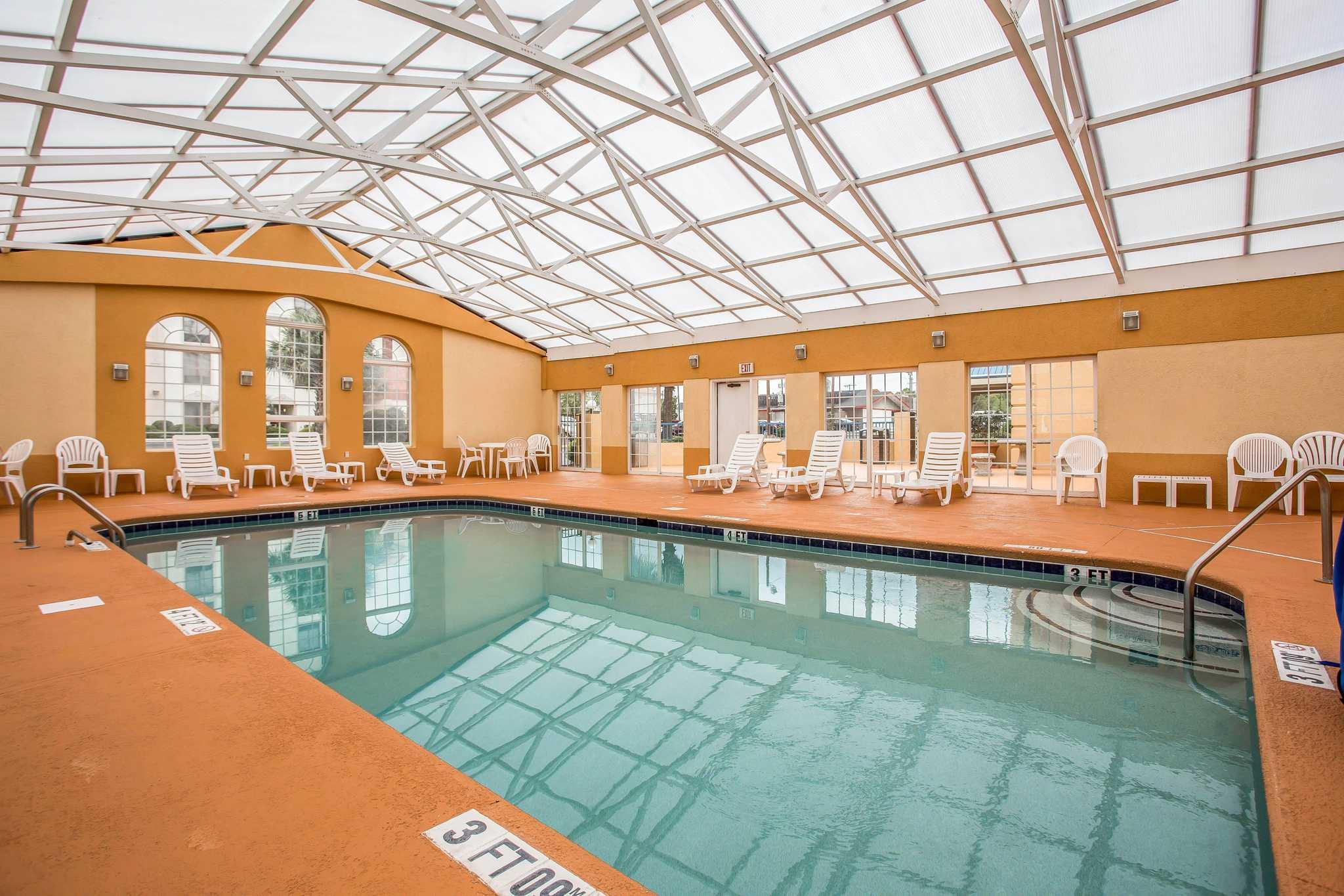 Comfort Inn & Suites Ft.Jackson Maingate image 14