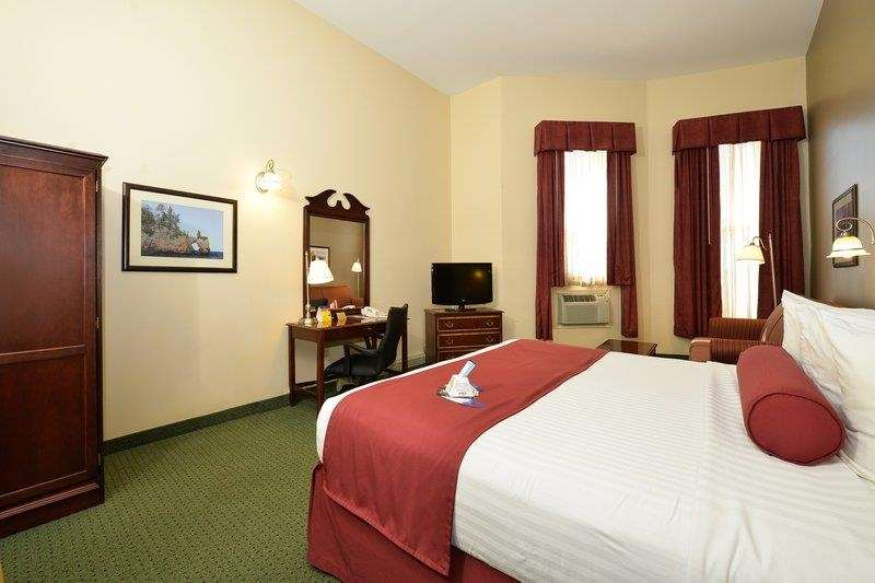 Best Western The Hotel Chequamegon image 12