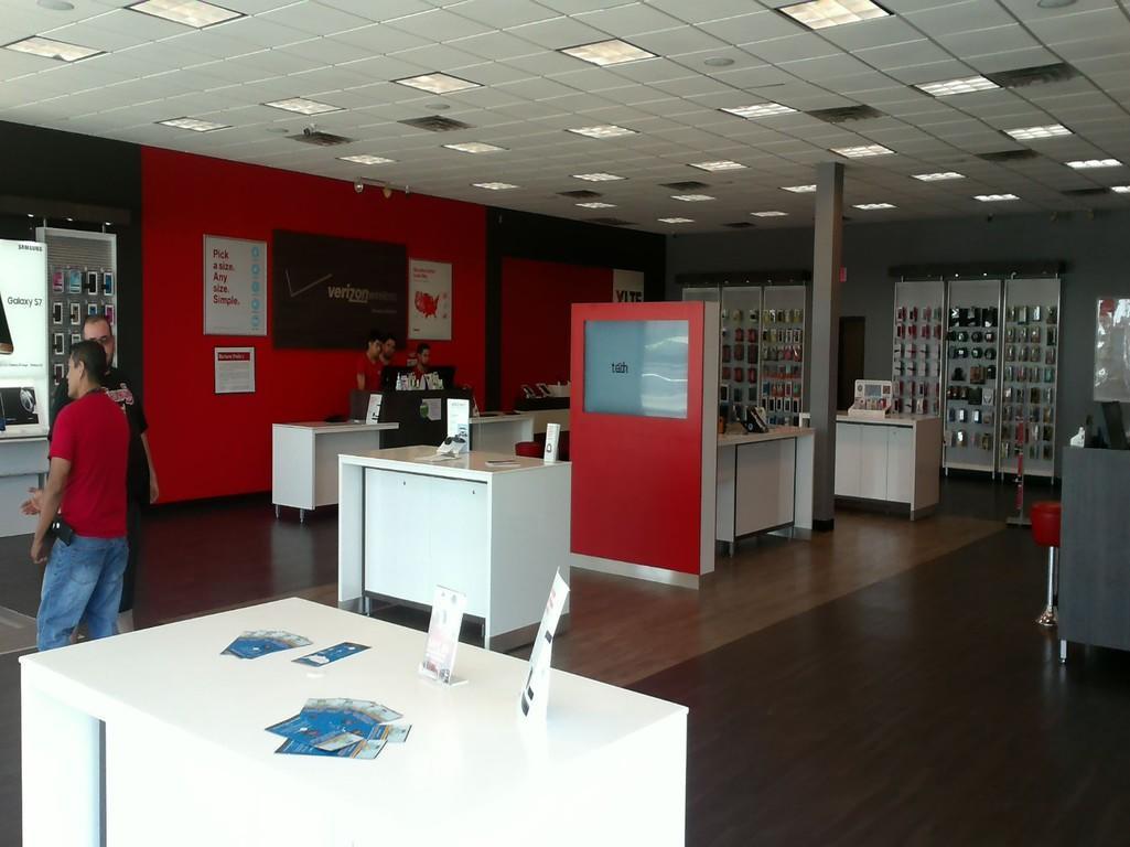Verizon Authorized Retailer, TCC image 2