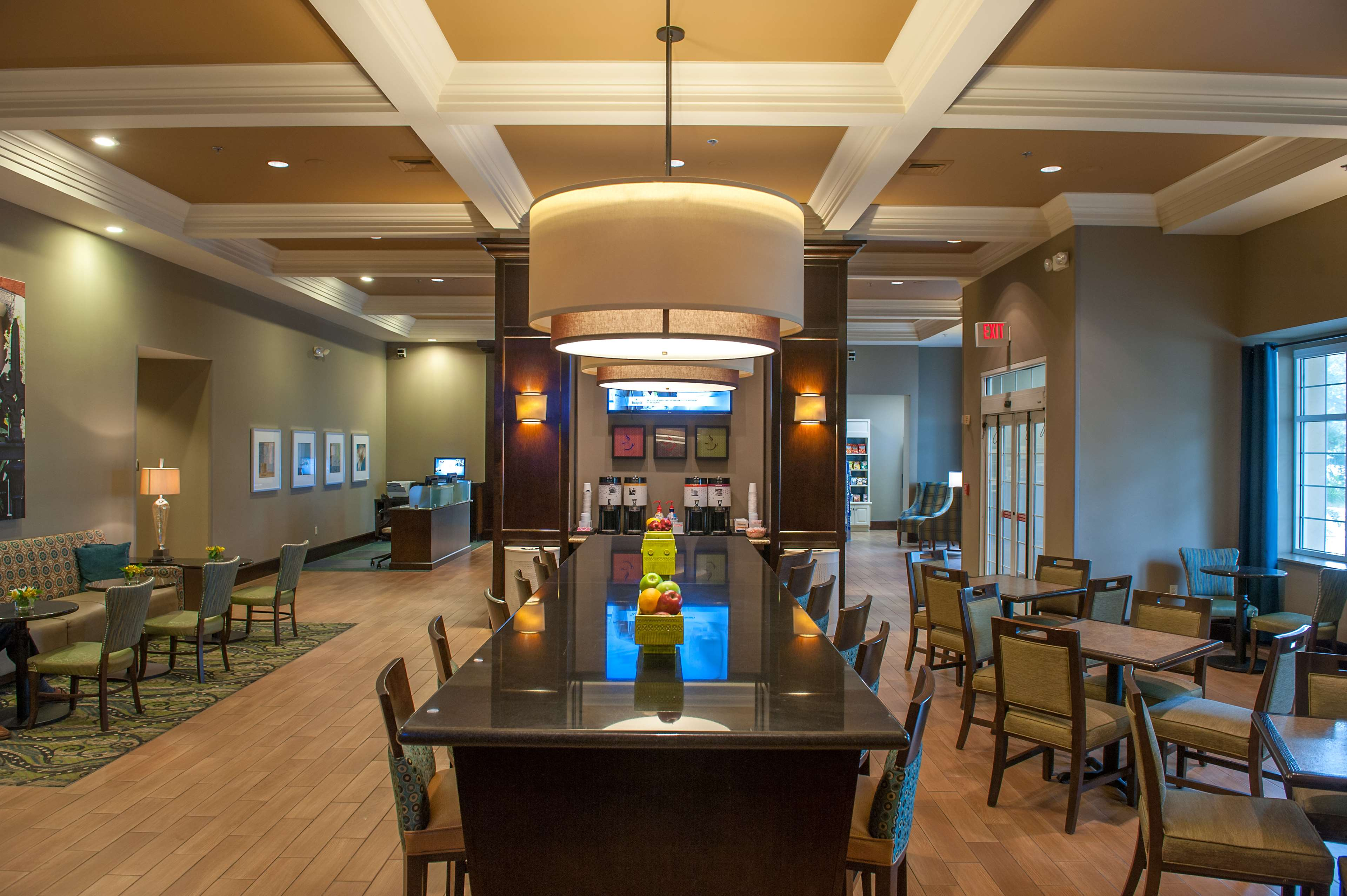Hampton Inn & Suites New Orleans-Elmwood/Clearview Parkway Area image 1