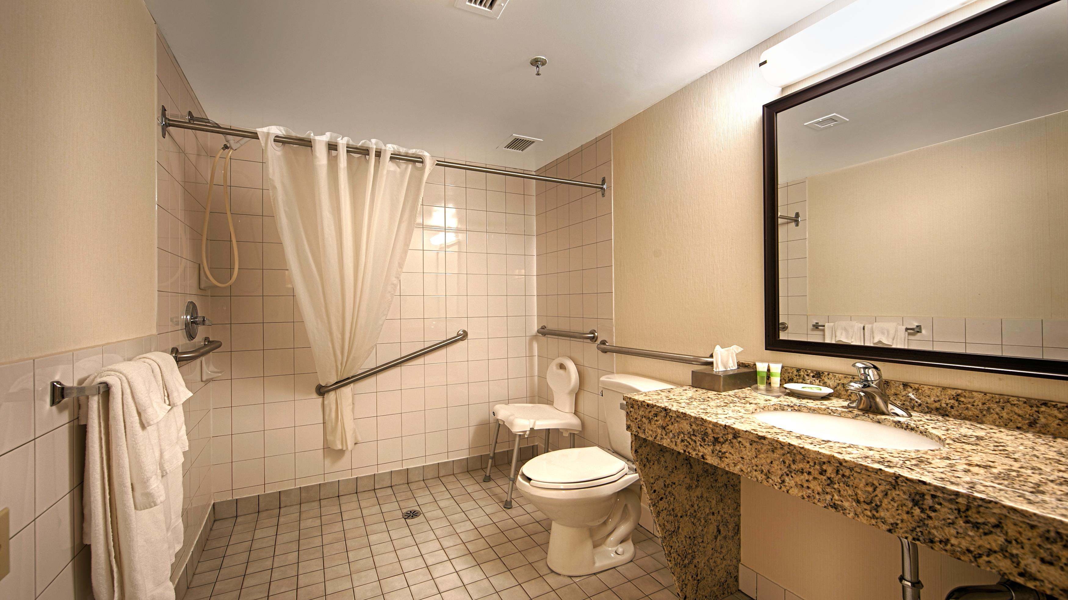 Best Western Charlottetown in Charlottetown: Mobility Accessible Bathroom