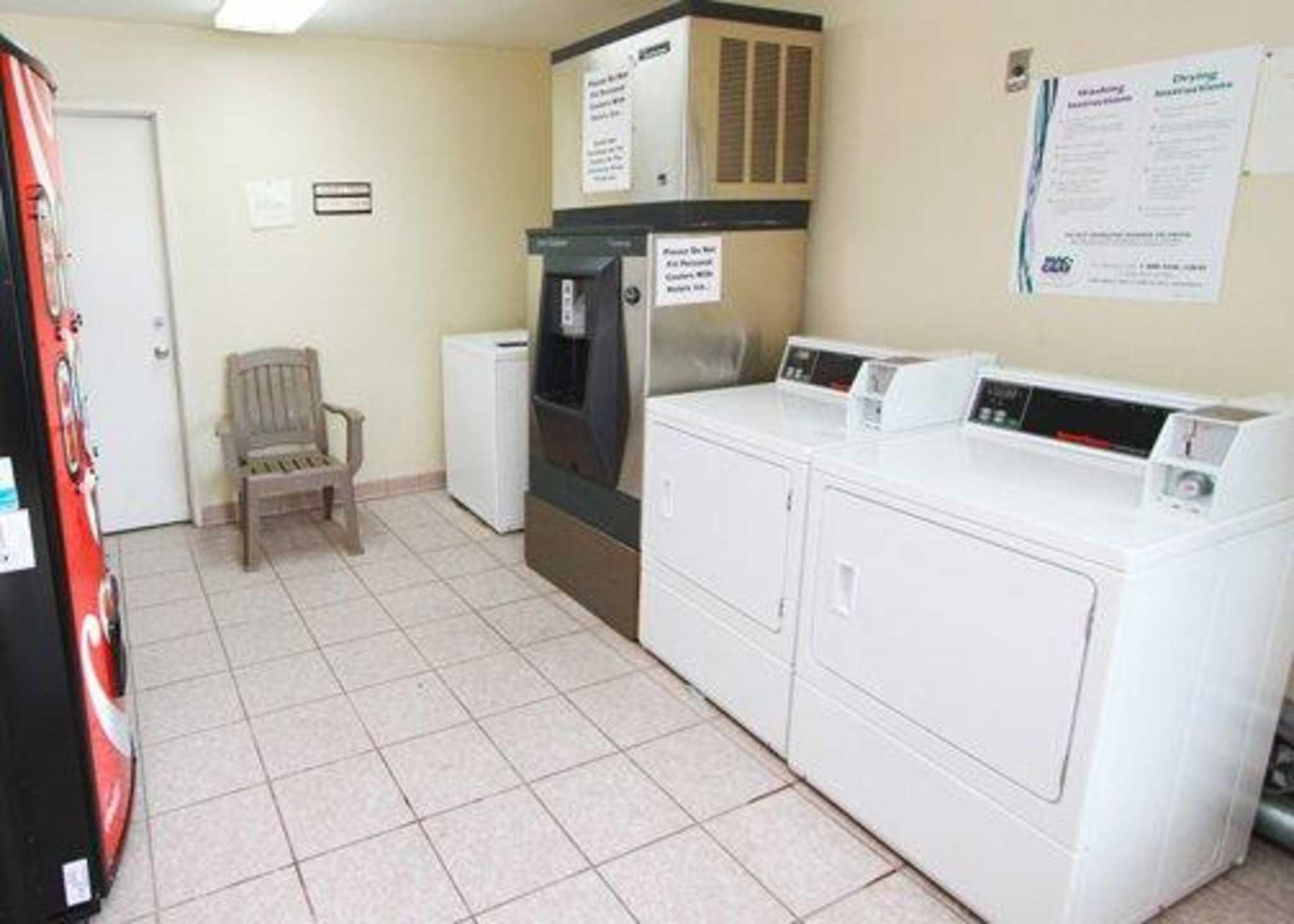 Econo Lodge Renton-Bellevue image 25