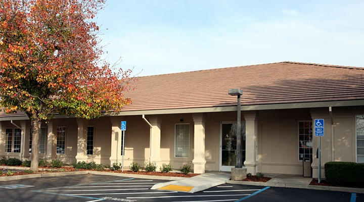 VCA Cordova Veterinary Hospital image 0