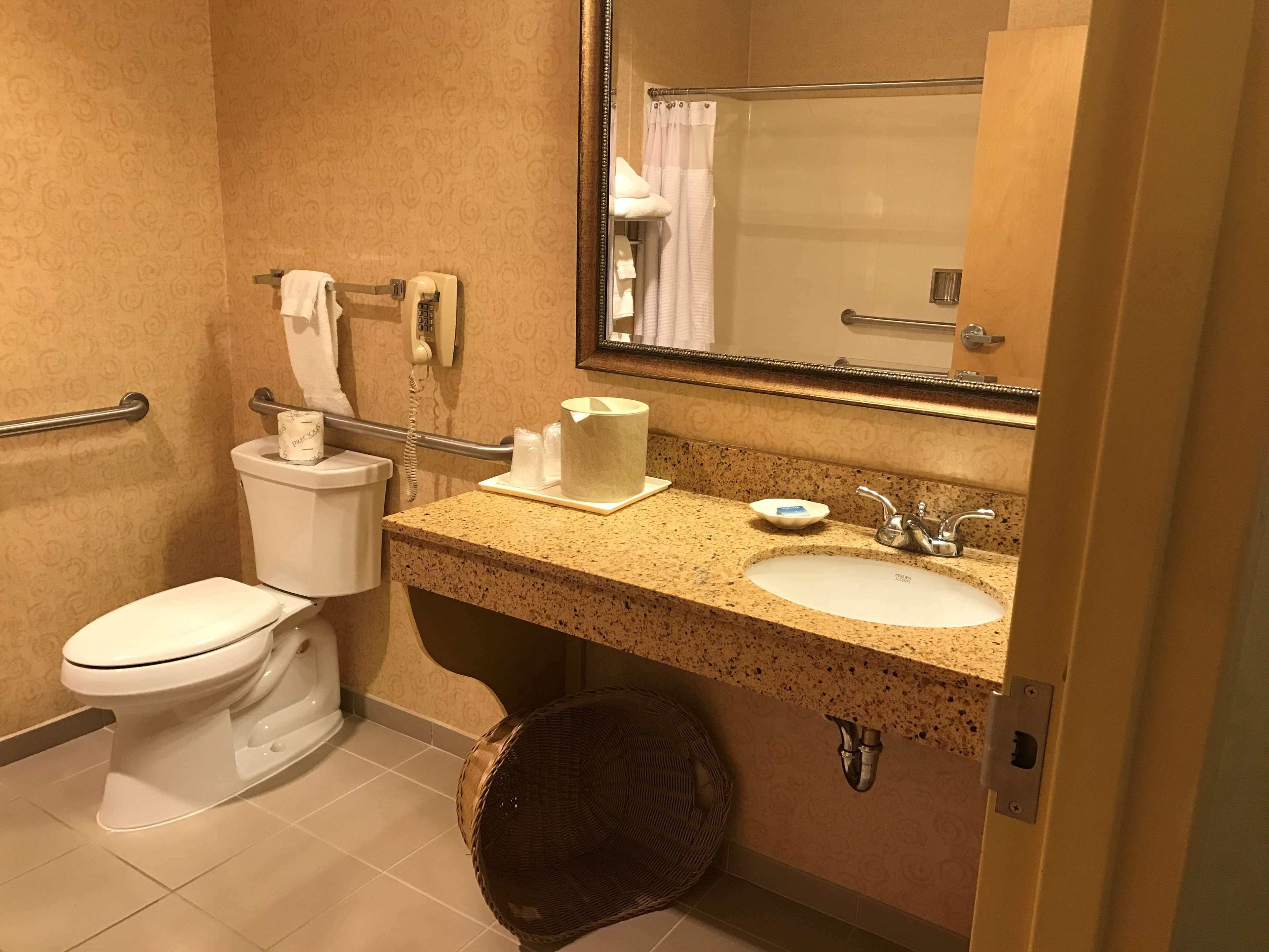 Best Western Plus Revere Inn & Suites image 18