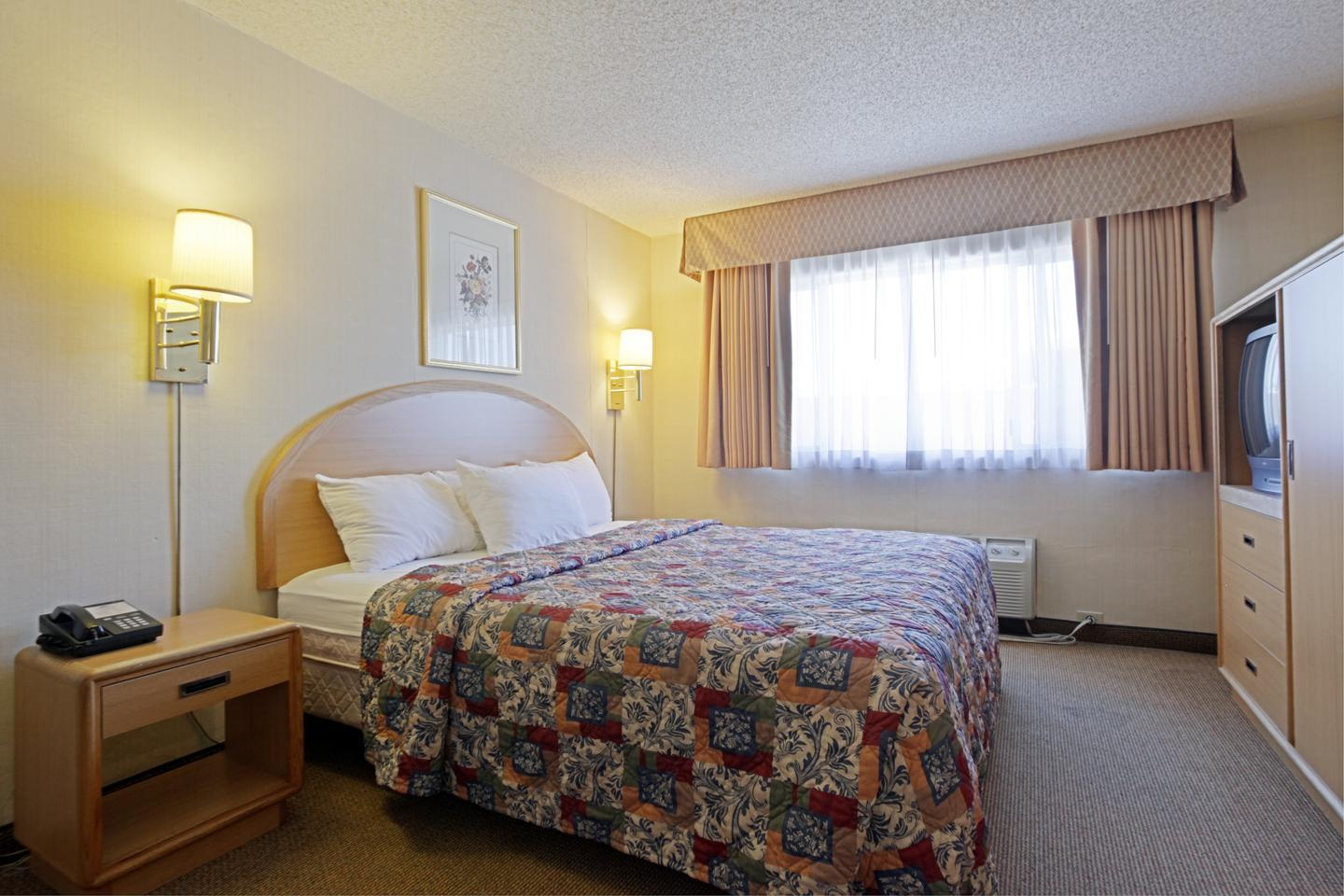 Americas Best Value Inn Visalia image 4