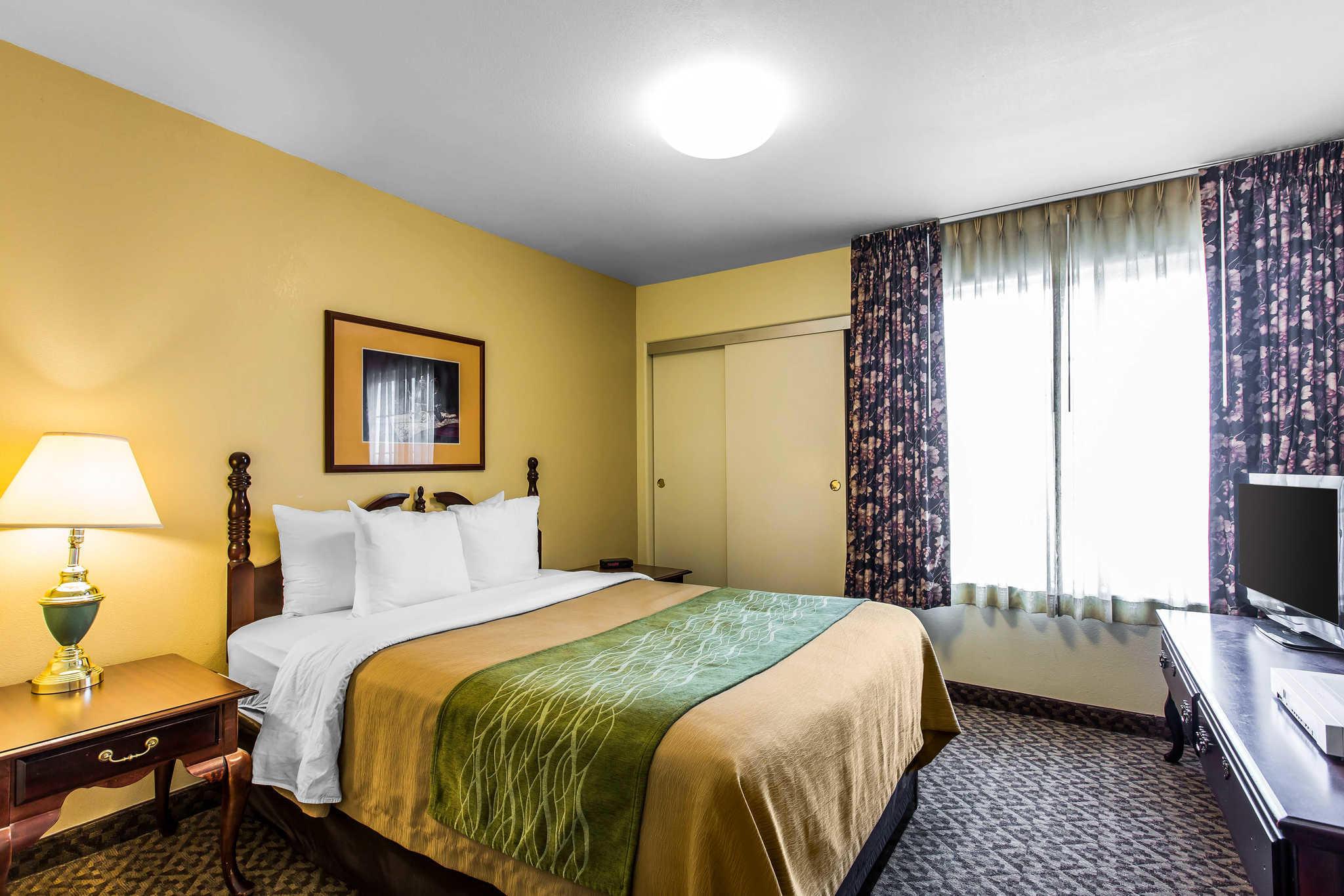 Comfort Inn & Suites El Centro I-8 image 12