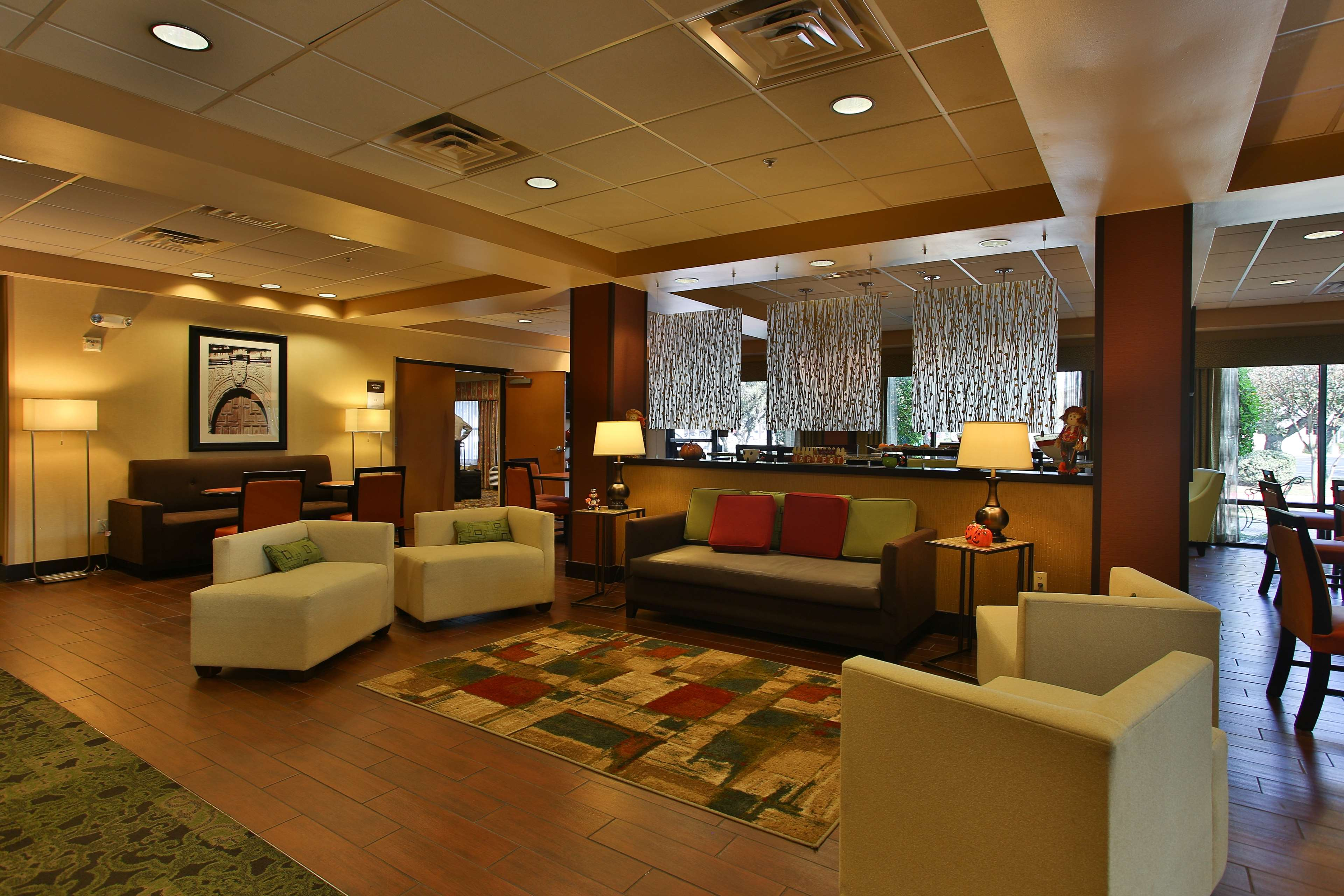 Hampton Inn San Antonio-Northwoods image 3