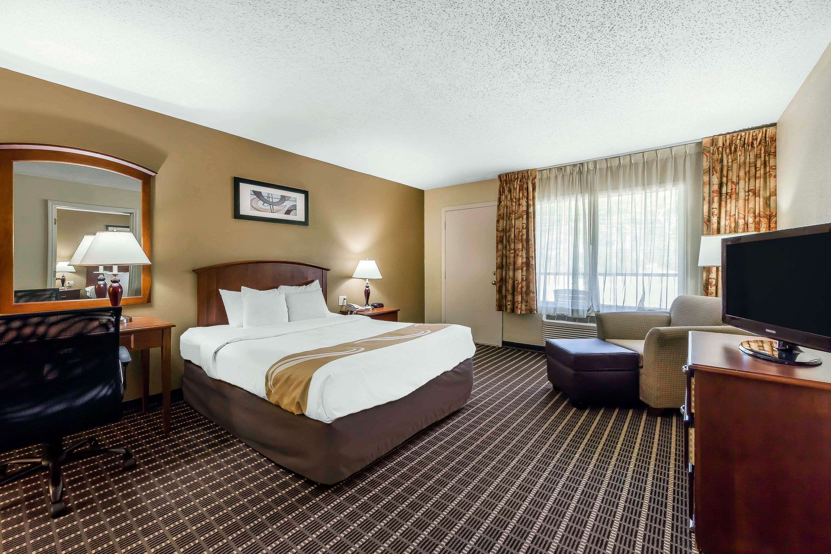 Quality Inn & Suites Sevierville - Pigeon Forge
