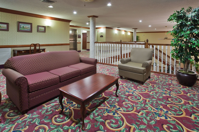 Holiday Inn Express New Bern image 3