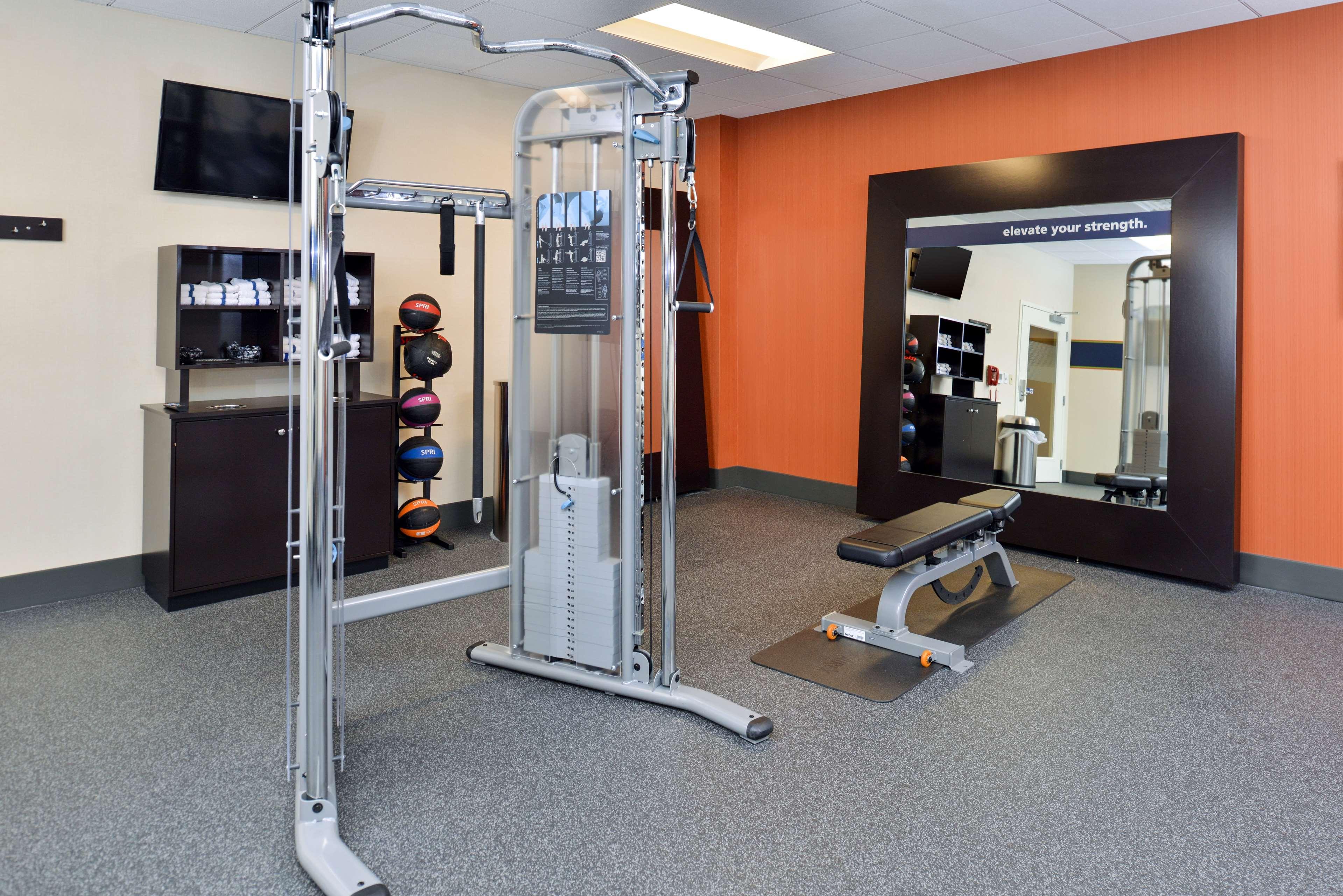 Hampton Inn & Suites California University-Pittsburgh image 12