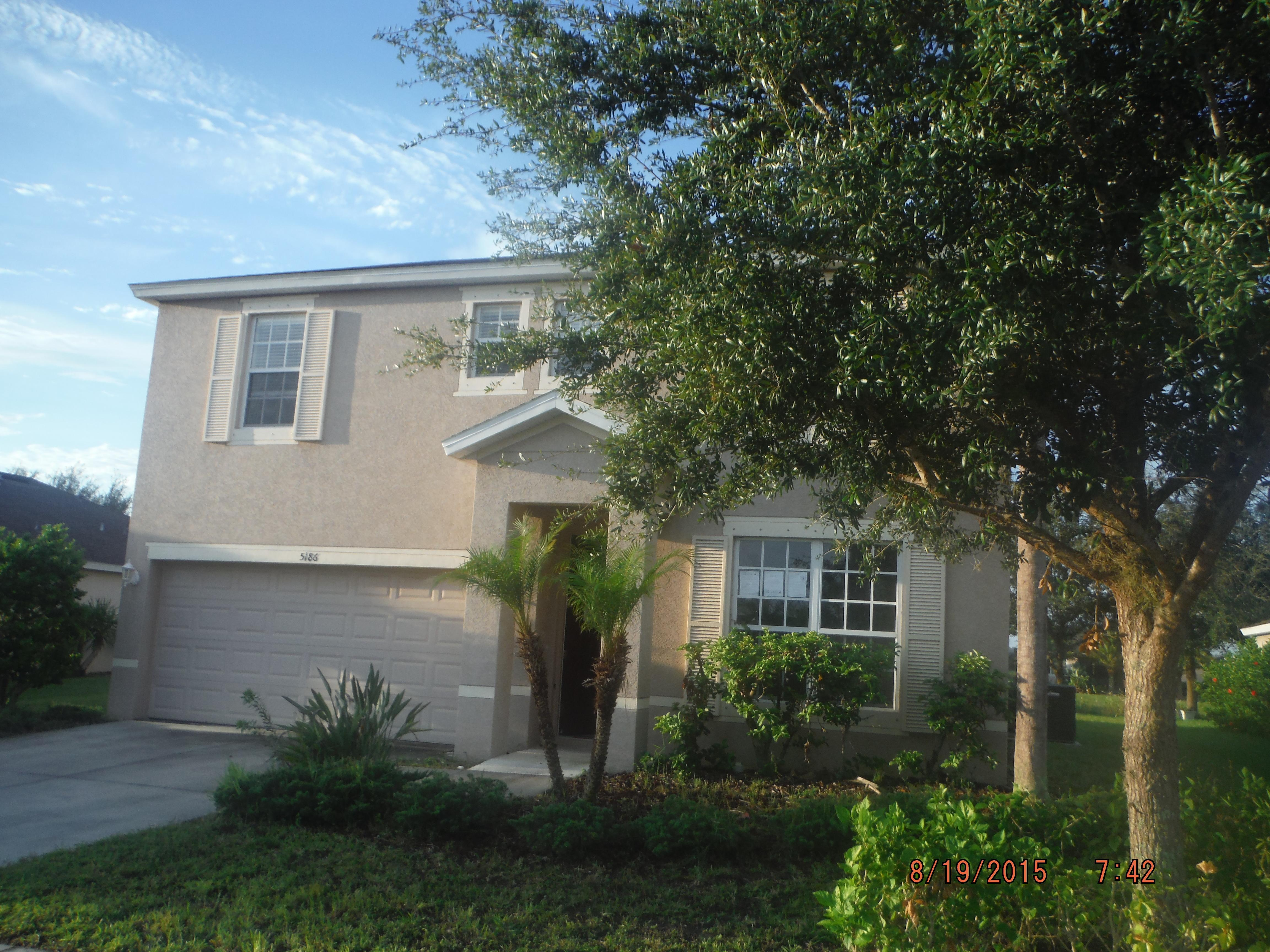 Come by and see this beautiful home in the heart of Venice!!