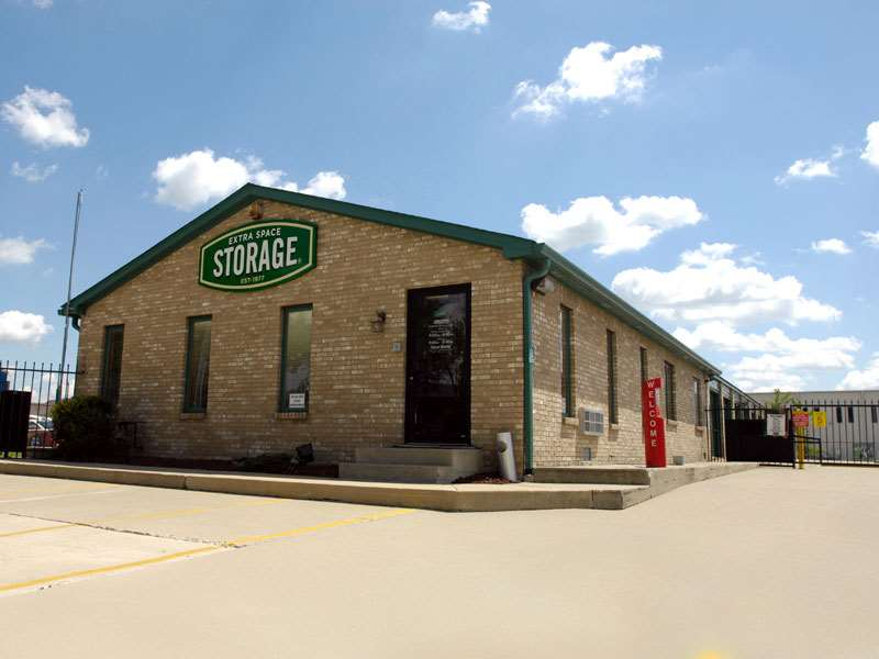 Extra Space Storage at 7151 E 86th St, Indianapolis, IN on Fave