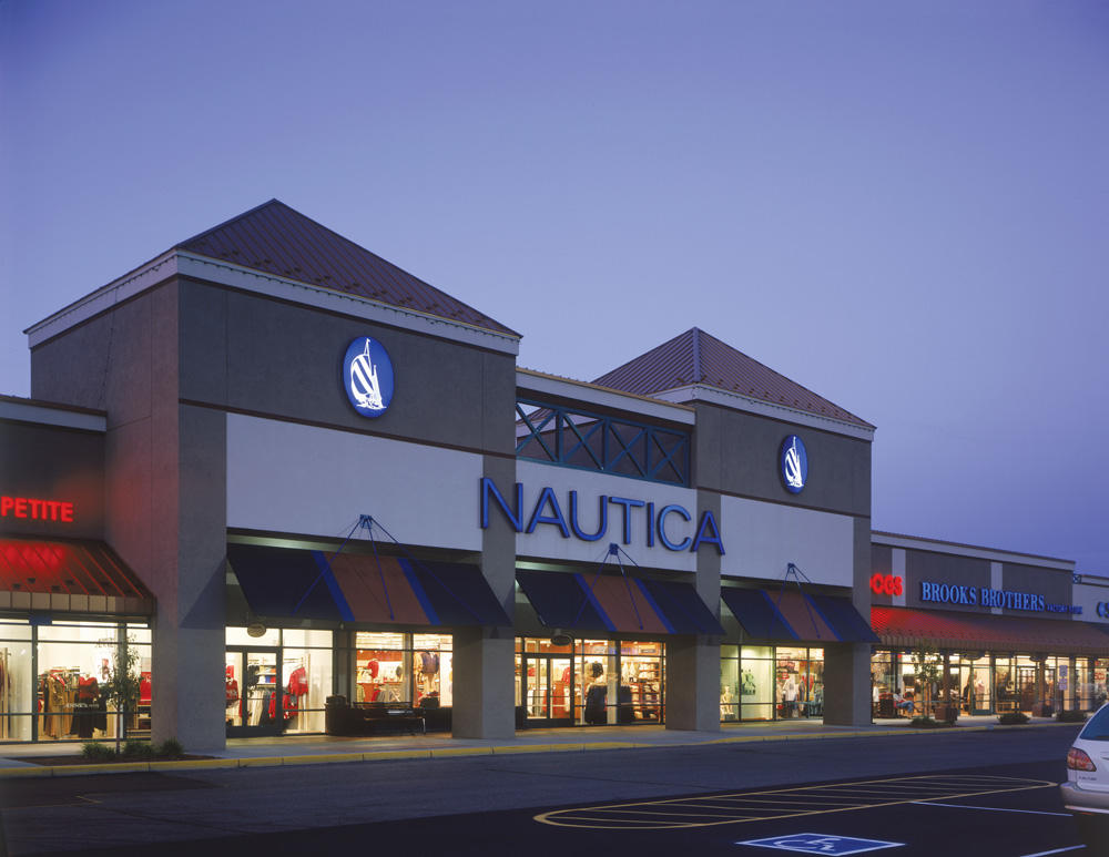 Albertville Premium Outlets is an outlet center located in Albertville, Minnesota. The center is owned by Premium Outlets, a subsidiary of Simon Property Group, and /5(35).