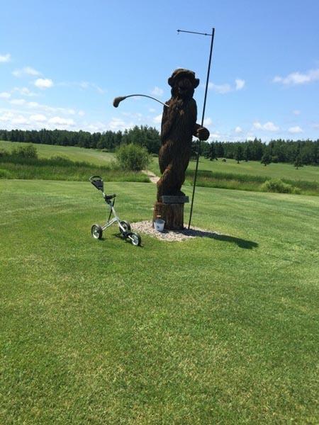 Golf on the Edge image 13