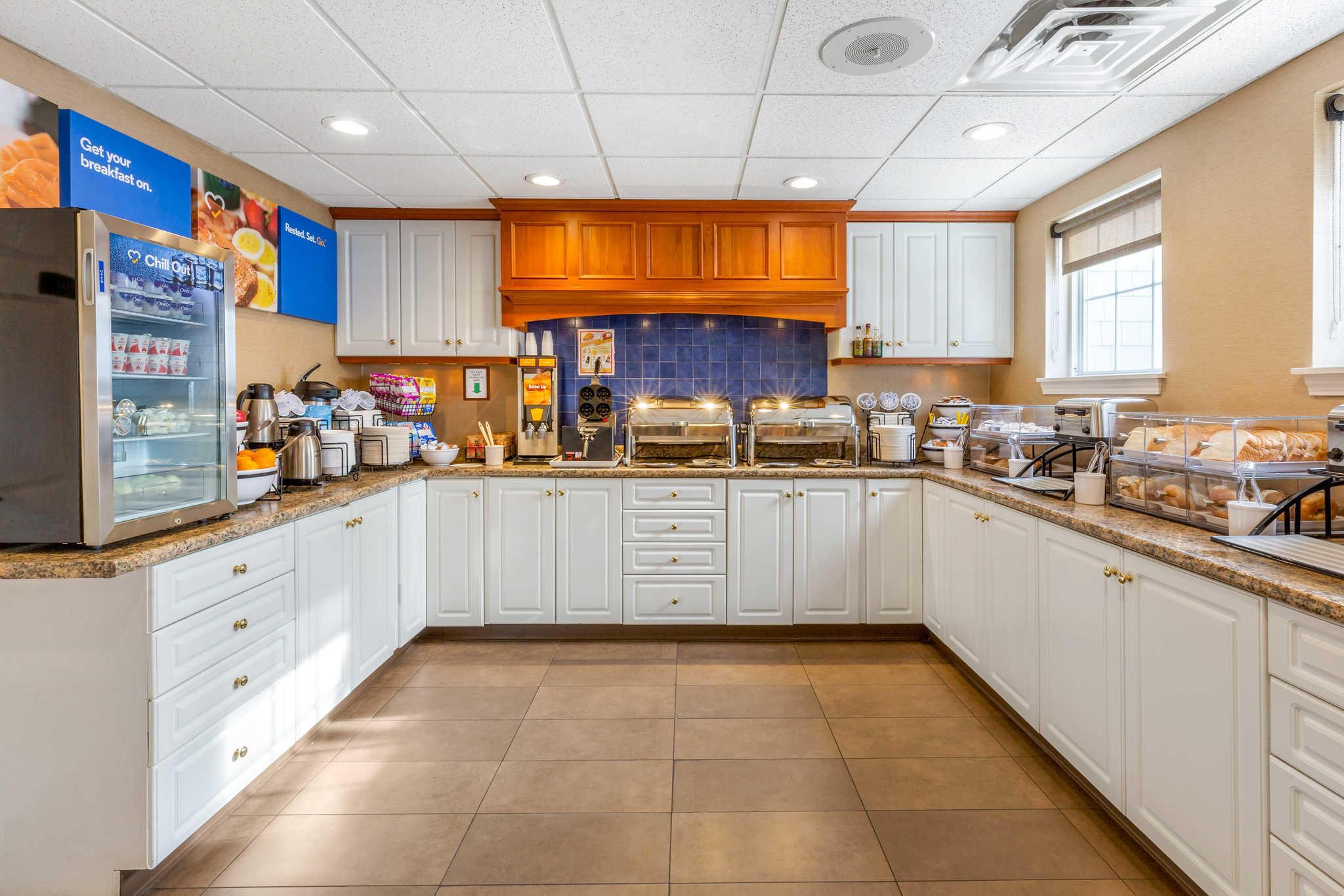 Comfort Inn & Suites image 36