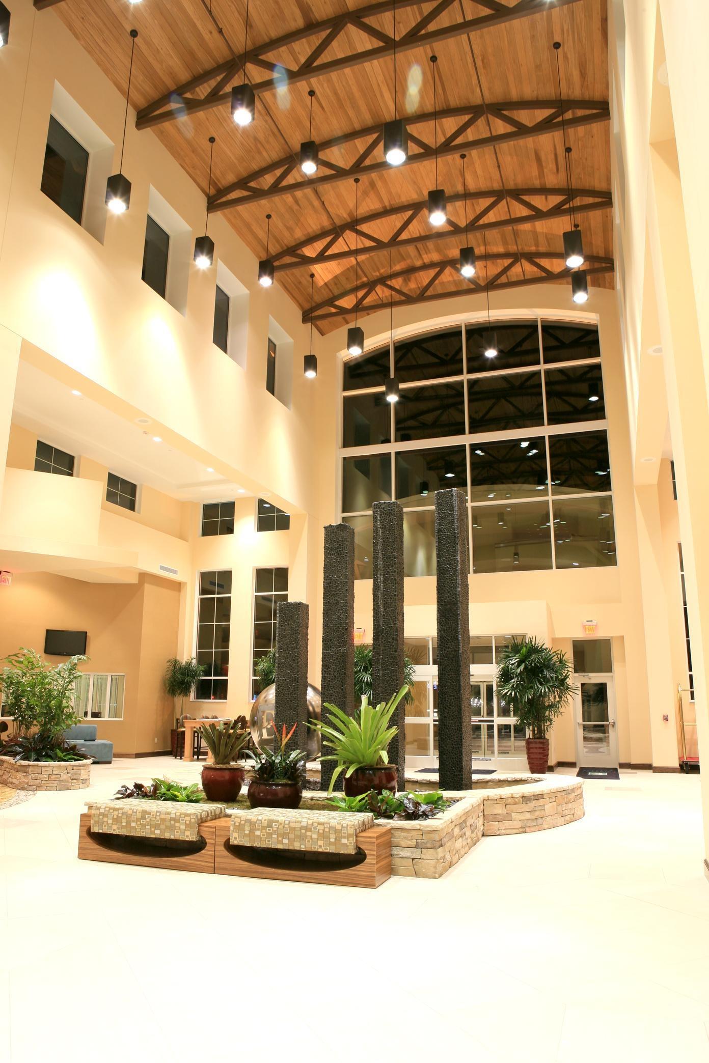 Embassy Suites by Hilton Birmingham Hoover image 10