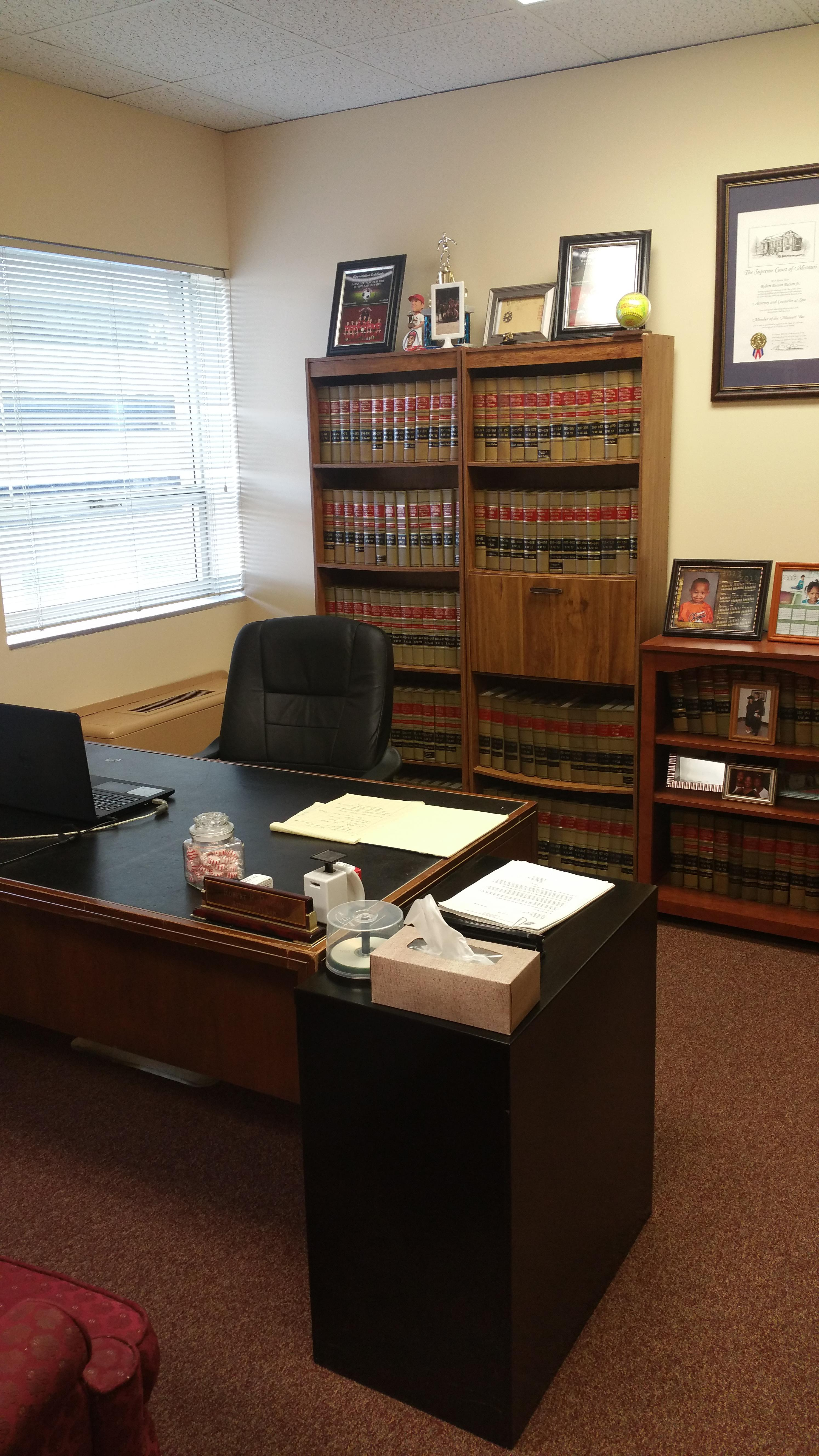 Parson Robert Jr Attorney at Law image 1