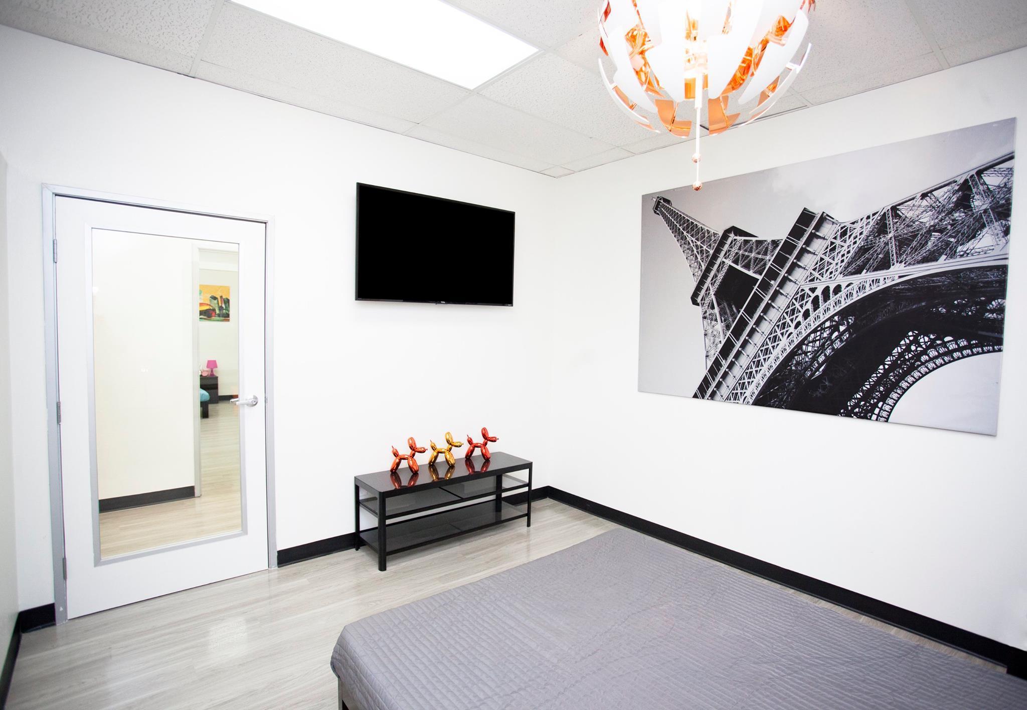 D Pet Hotels Los Angeles 17553 Ventura Blvd Encino Ca Services Mapquest