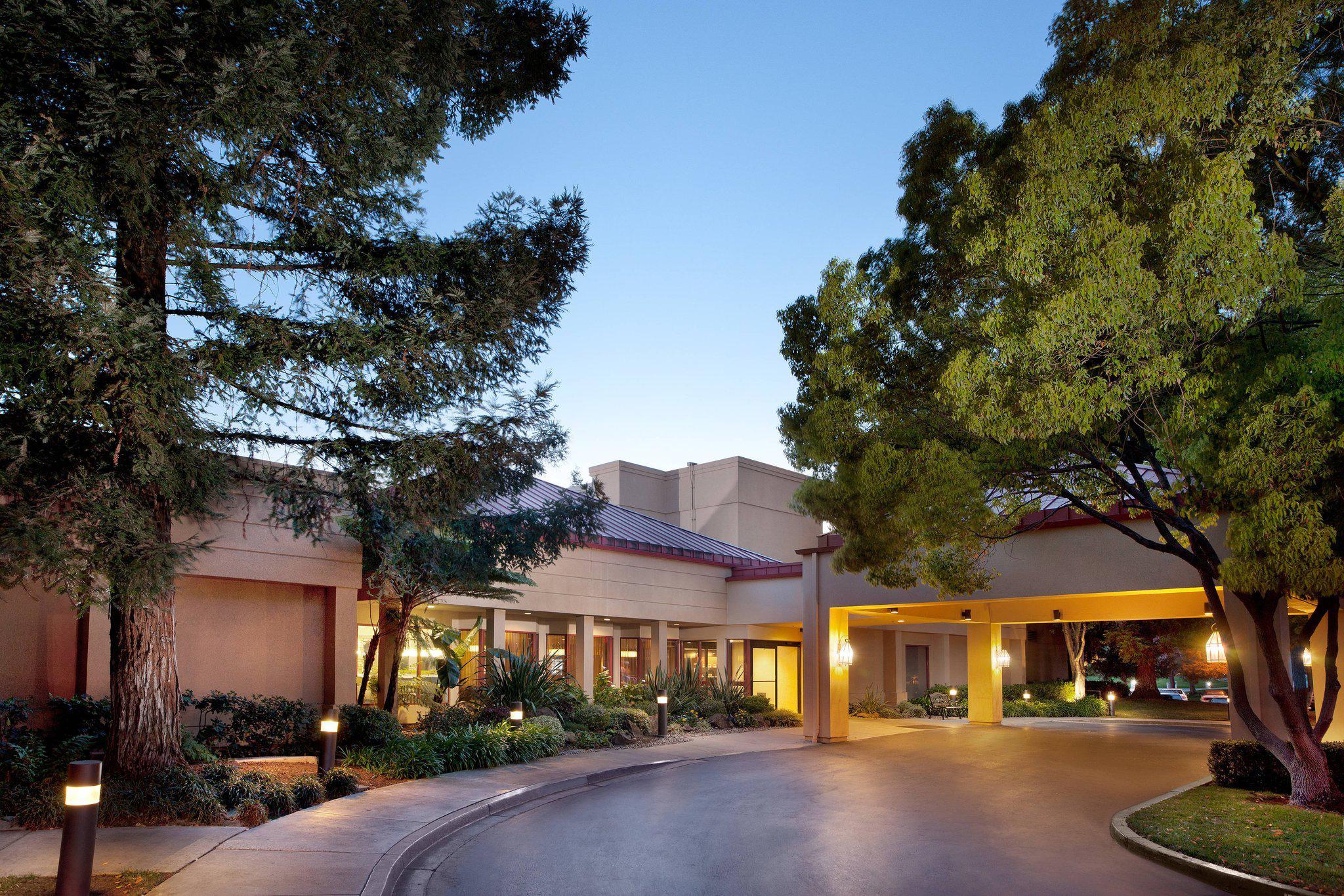 Courtyard by Marriott San Jose Airport