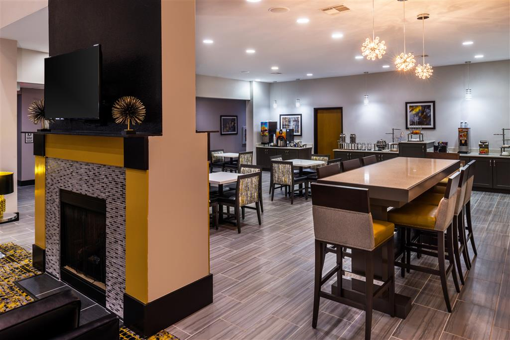 Best Western Plus Regency Park Hotel image 19