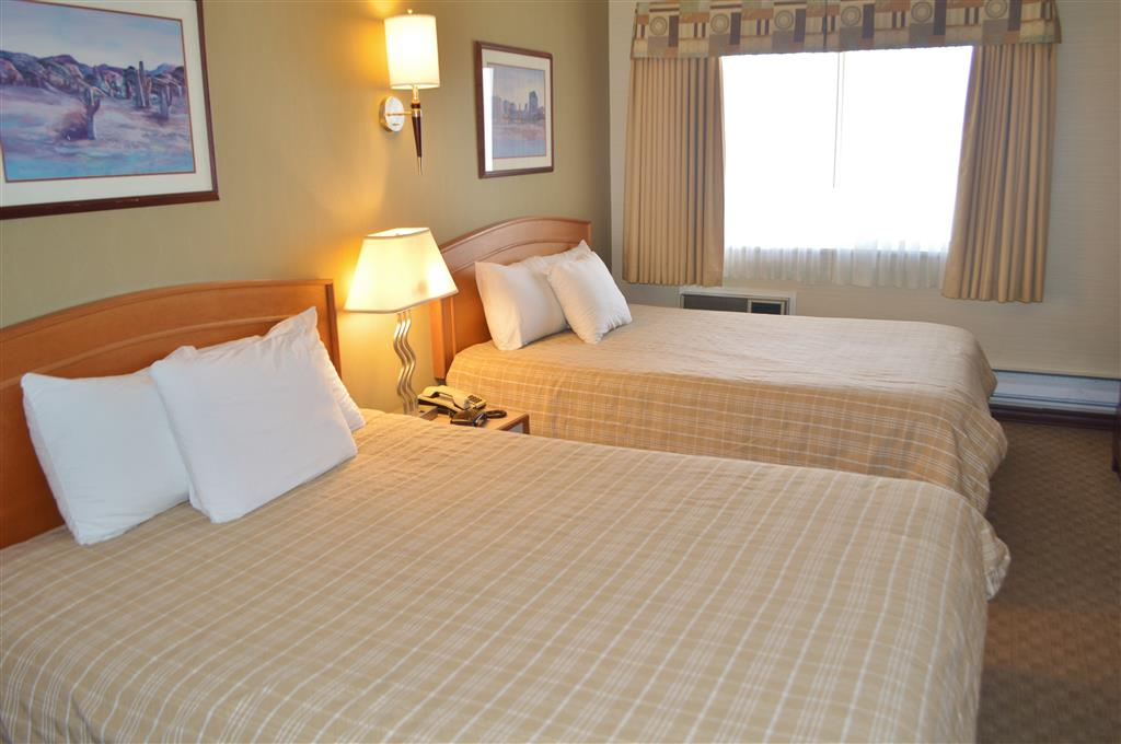 Canadas Best Value Inn in Kamloops: Two Queen Beds