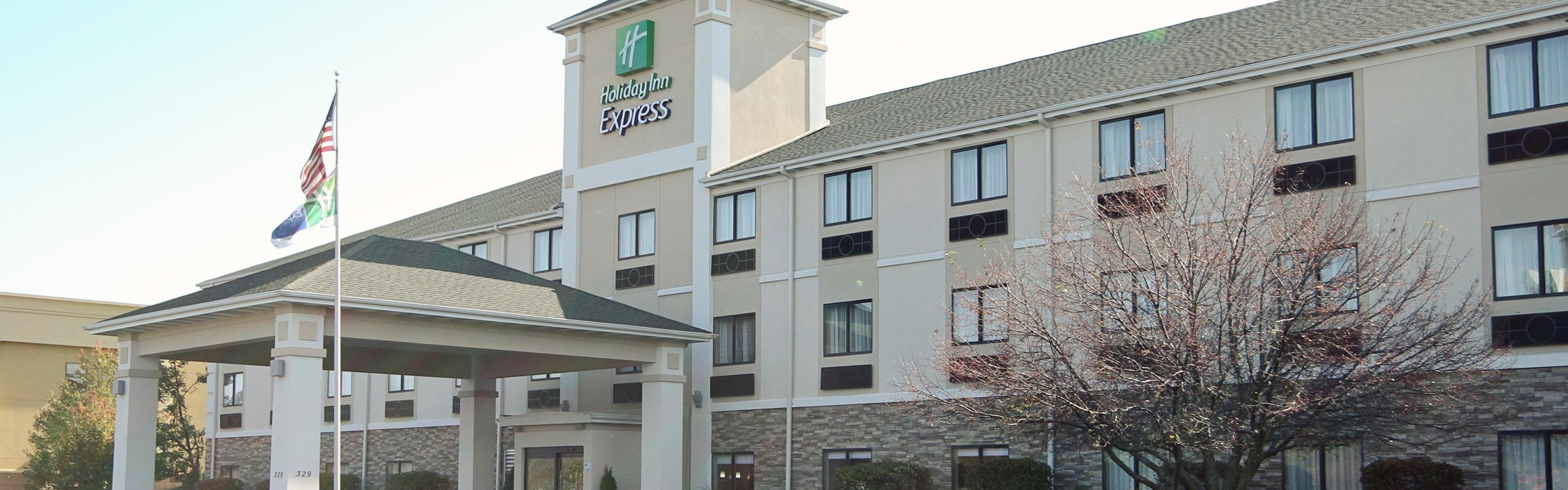 Holiday Inn Express Marshall image 0