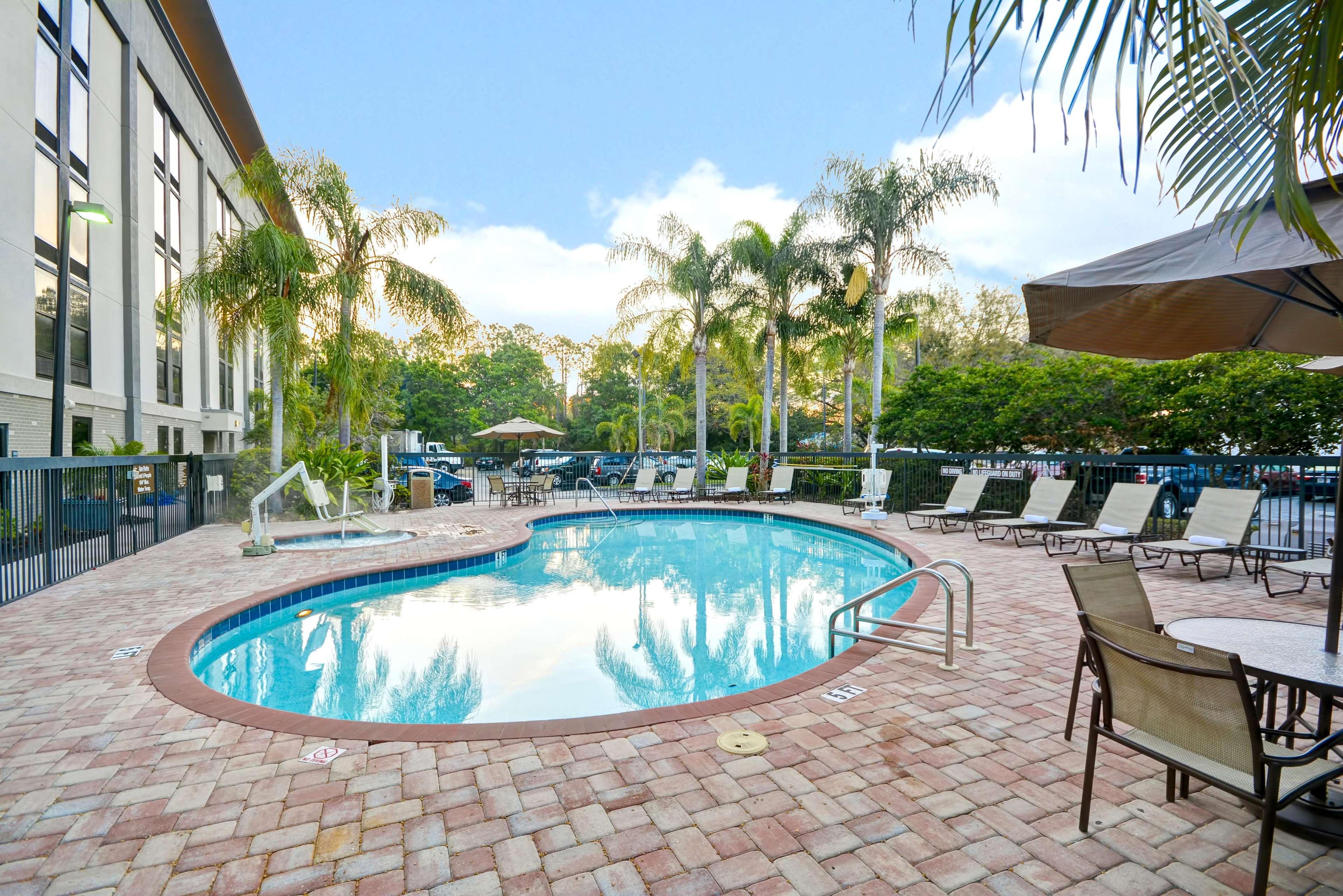 Hampton Inn Sarasota - I-75 Bee Ridge image 19