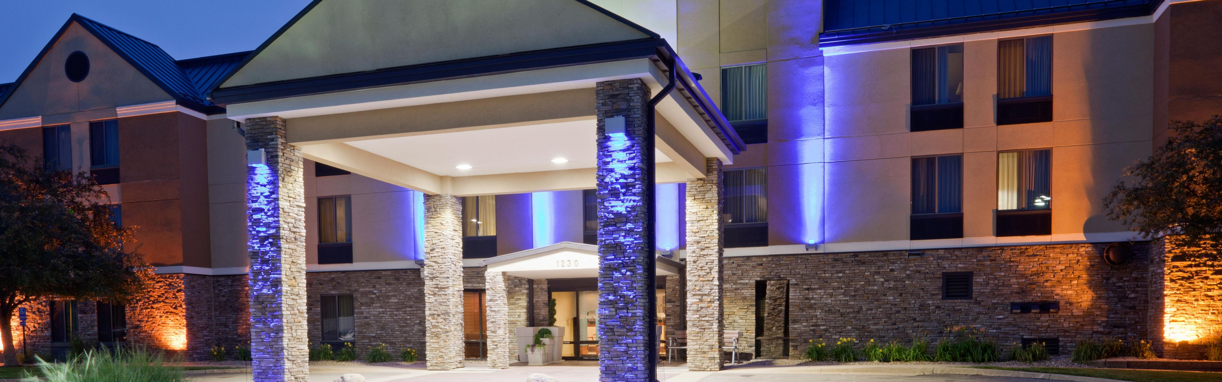 Holiday Inn Express Cedar Rapids (Collins Rd) image 0
