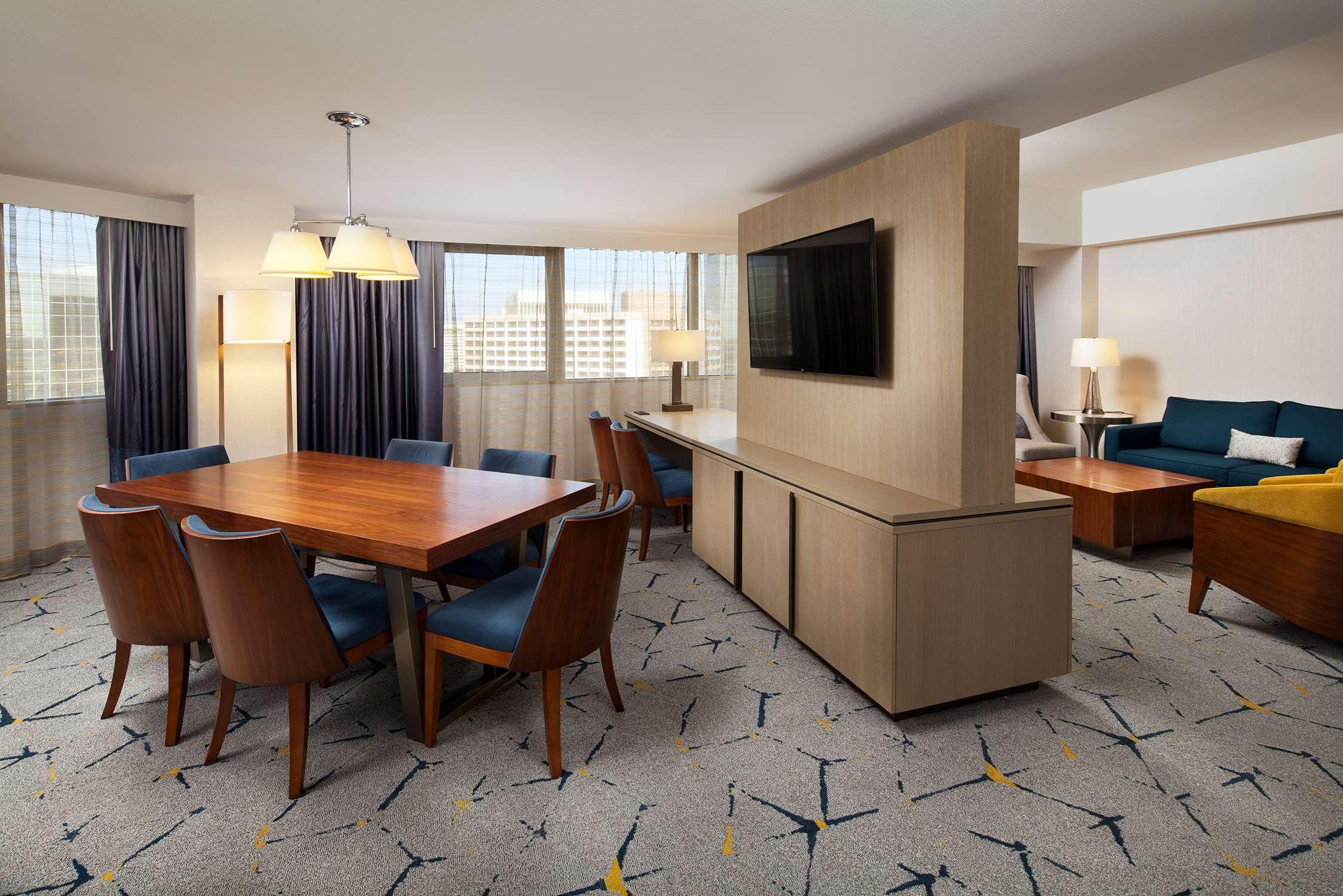 Sheraton Gateway Los Angeles Hotel image 9