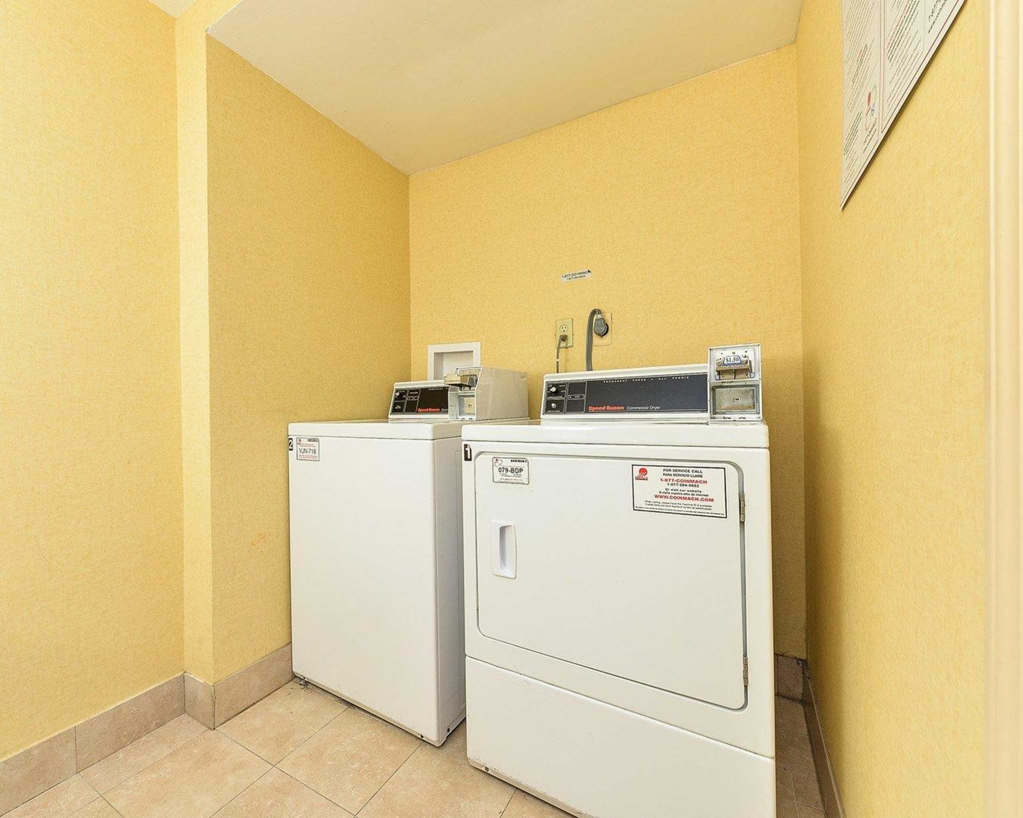 Quality Suites image 23