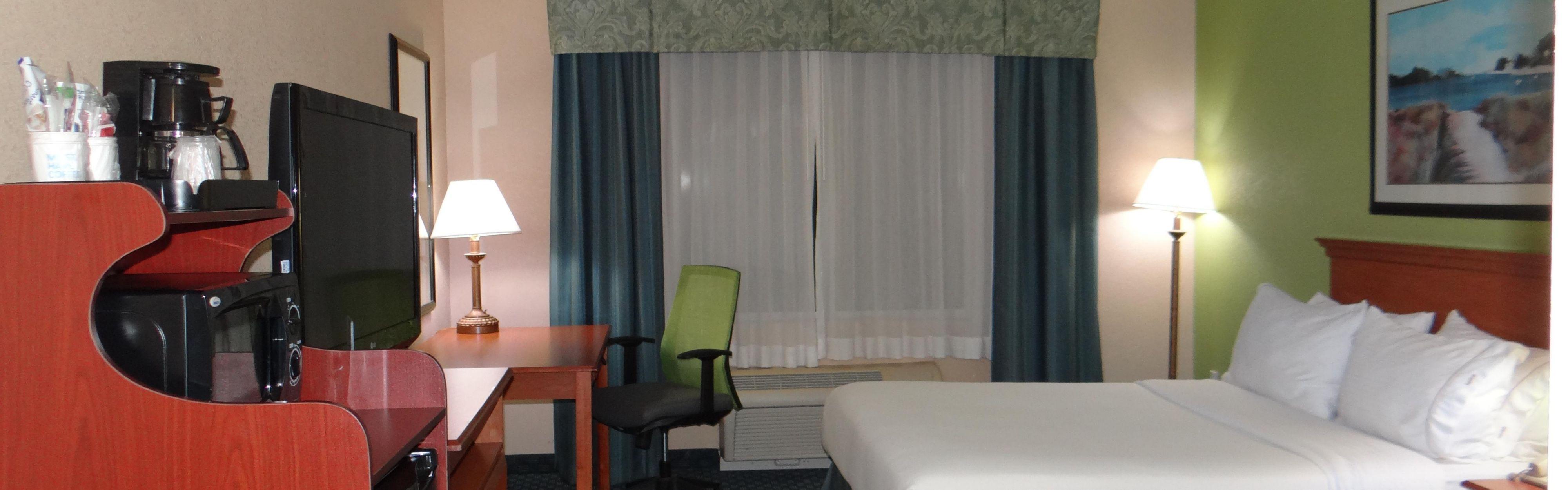 Holiday Inn Express Salisbury - Delmar image 1