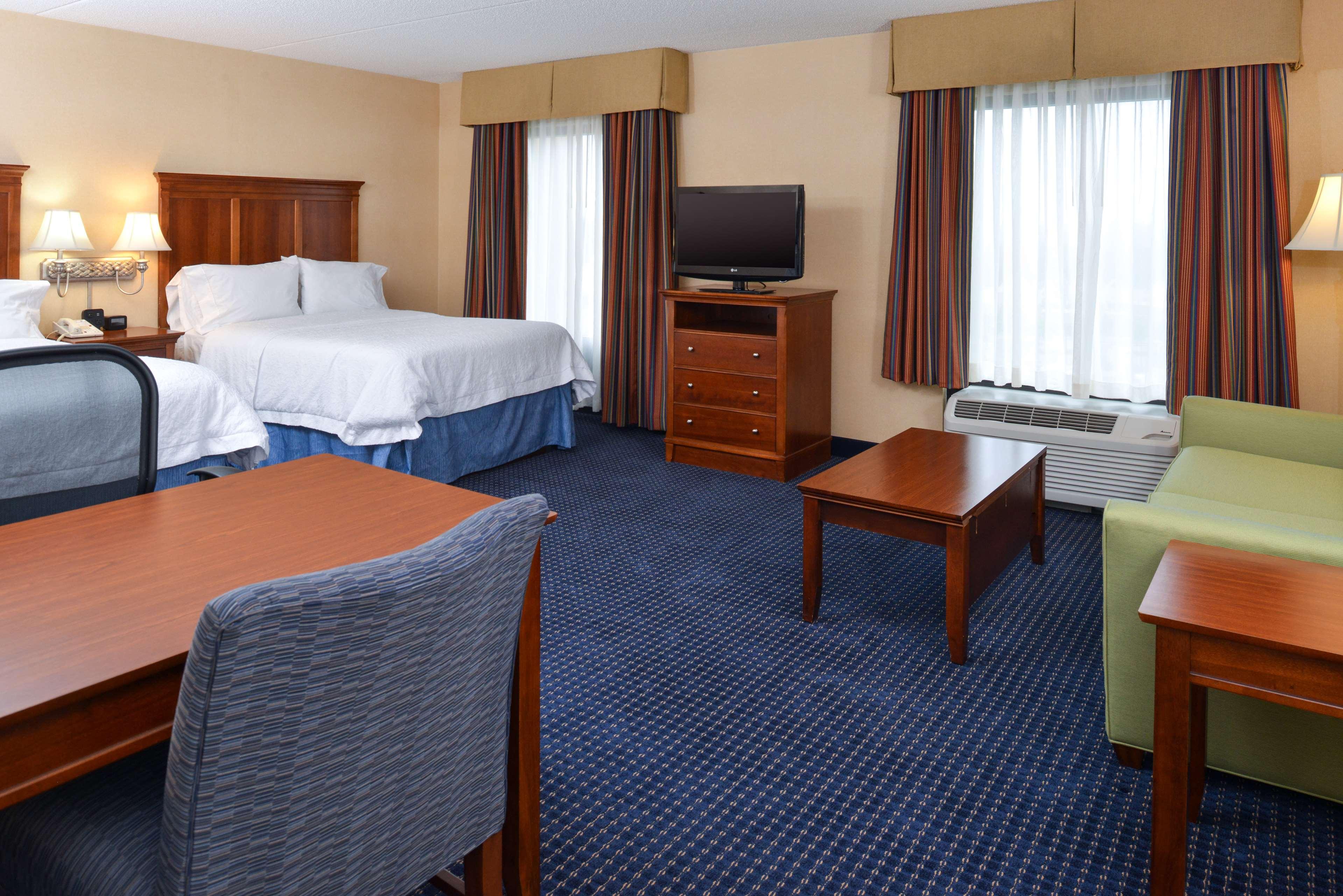 Hampton Inn & Suites Fredericksburg South image 37