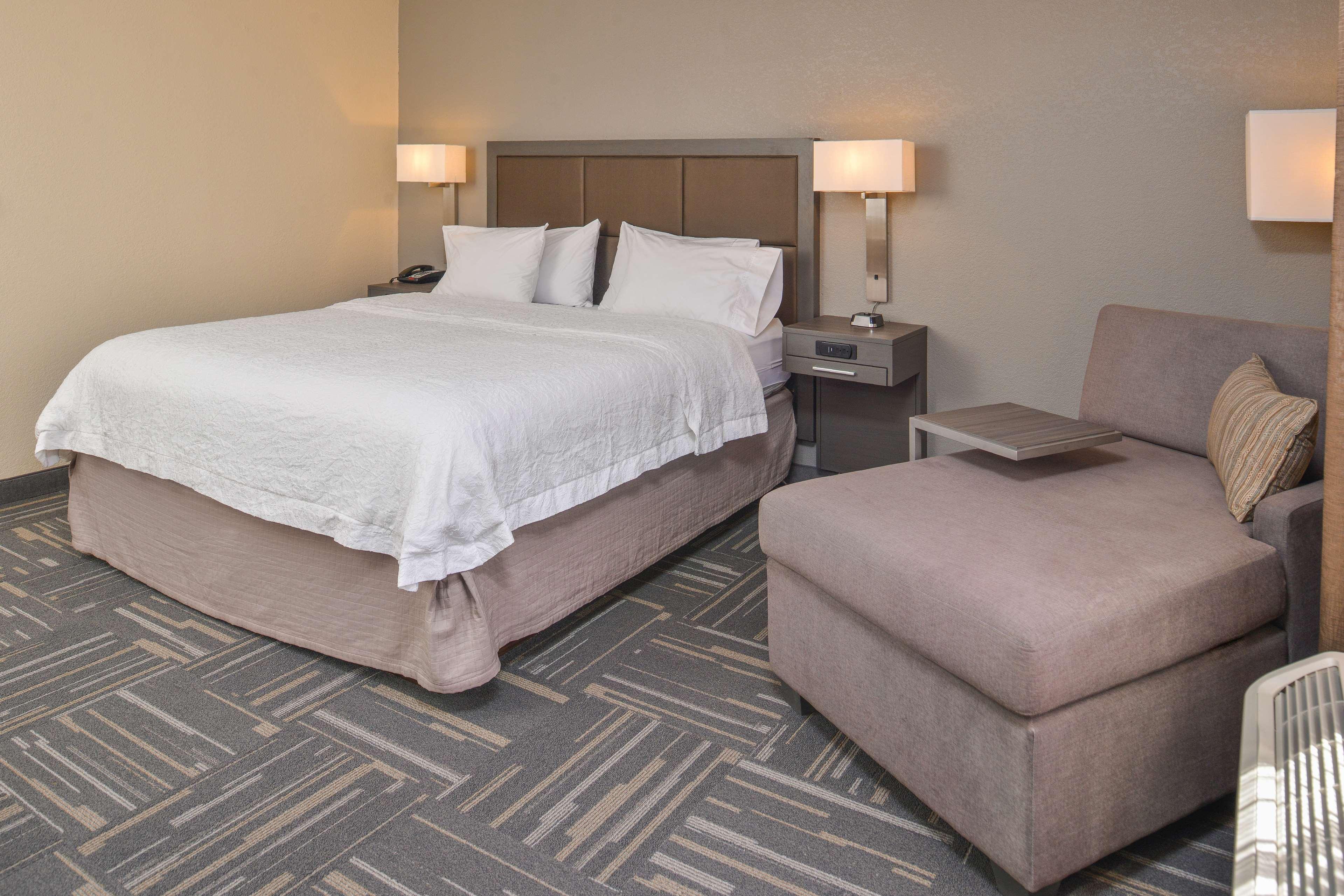 Hampton Inn closest to Universal Orlando image 31