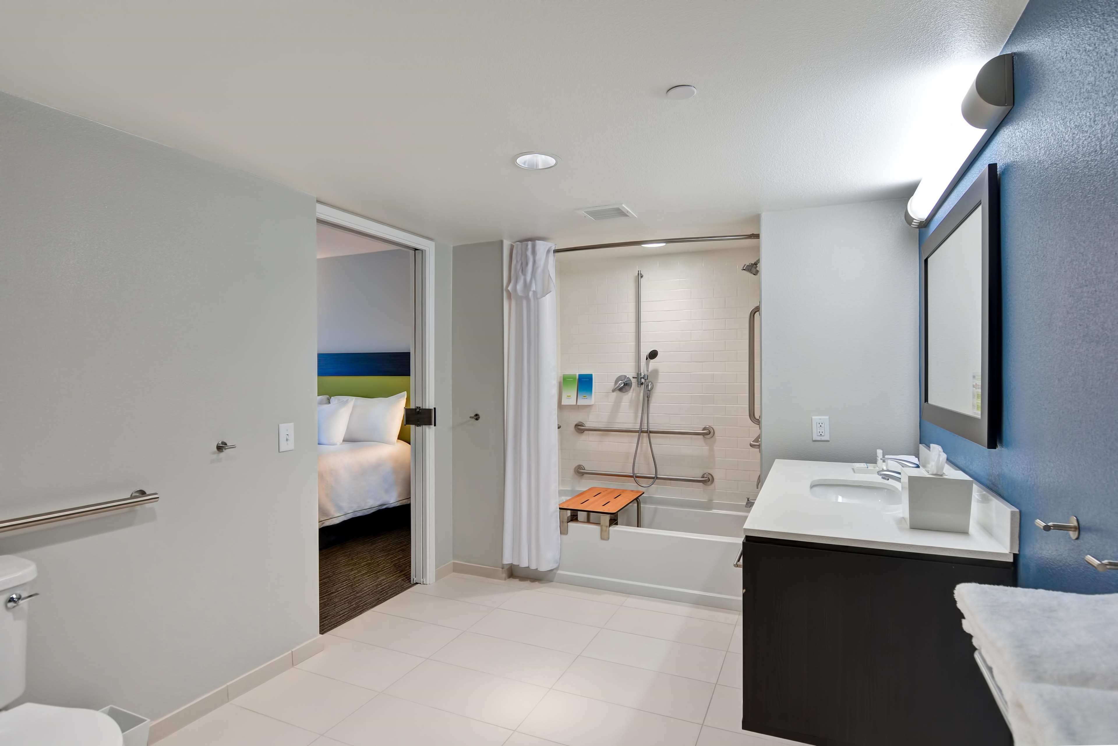 Home2 Suites by Hilton Azusa image 6