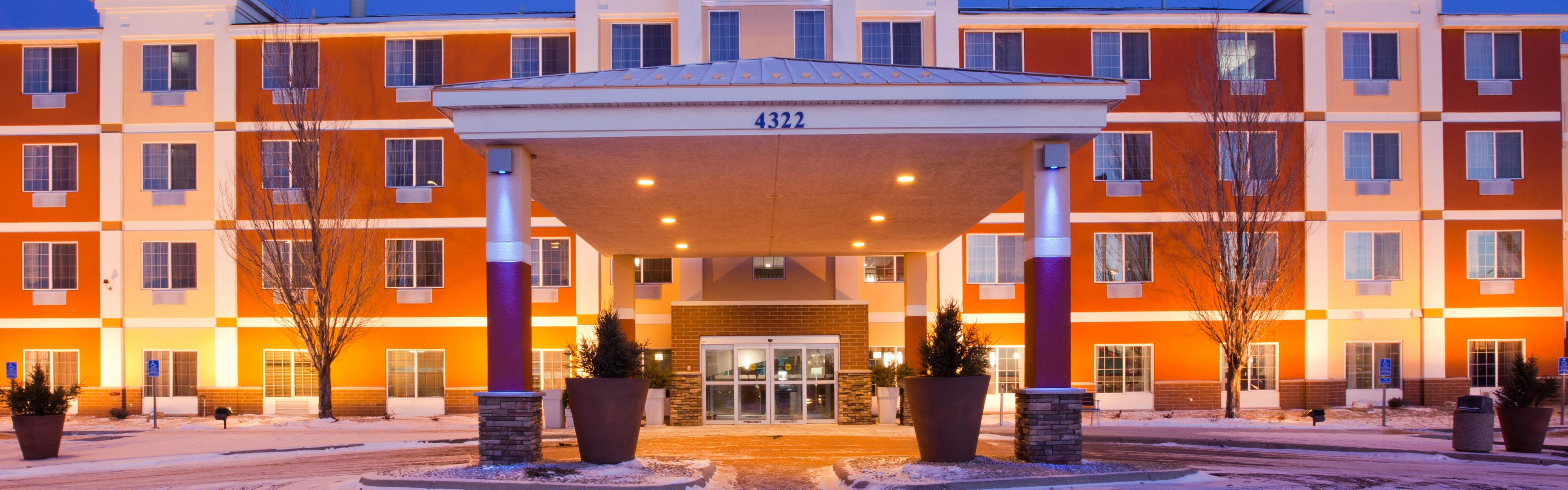 Holiday Inn Express & Suites St. Cloud image 0