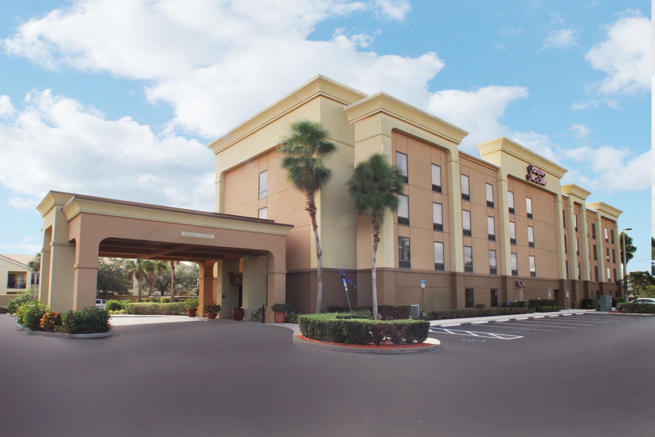 Hampton Inn & Suites Port St. Lucie, West image 0