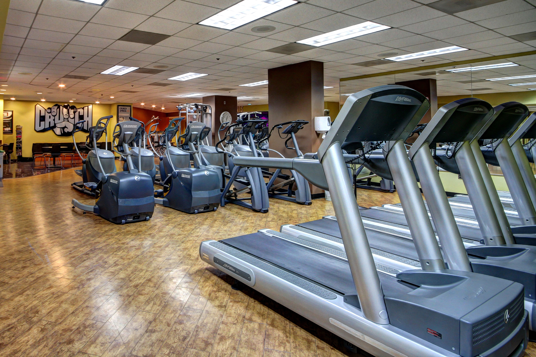 Crunch Fitness - Metro Center image 3